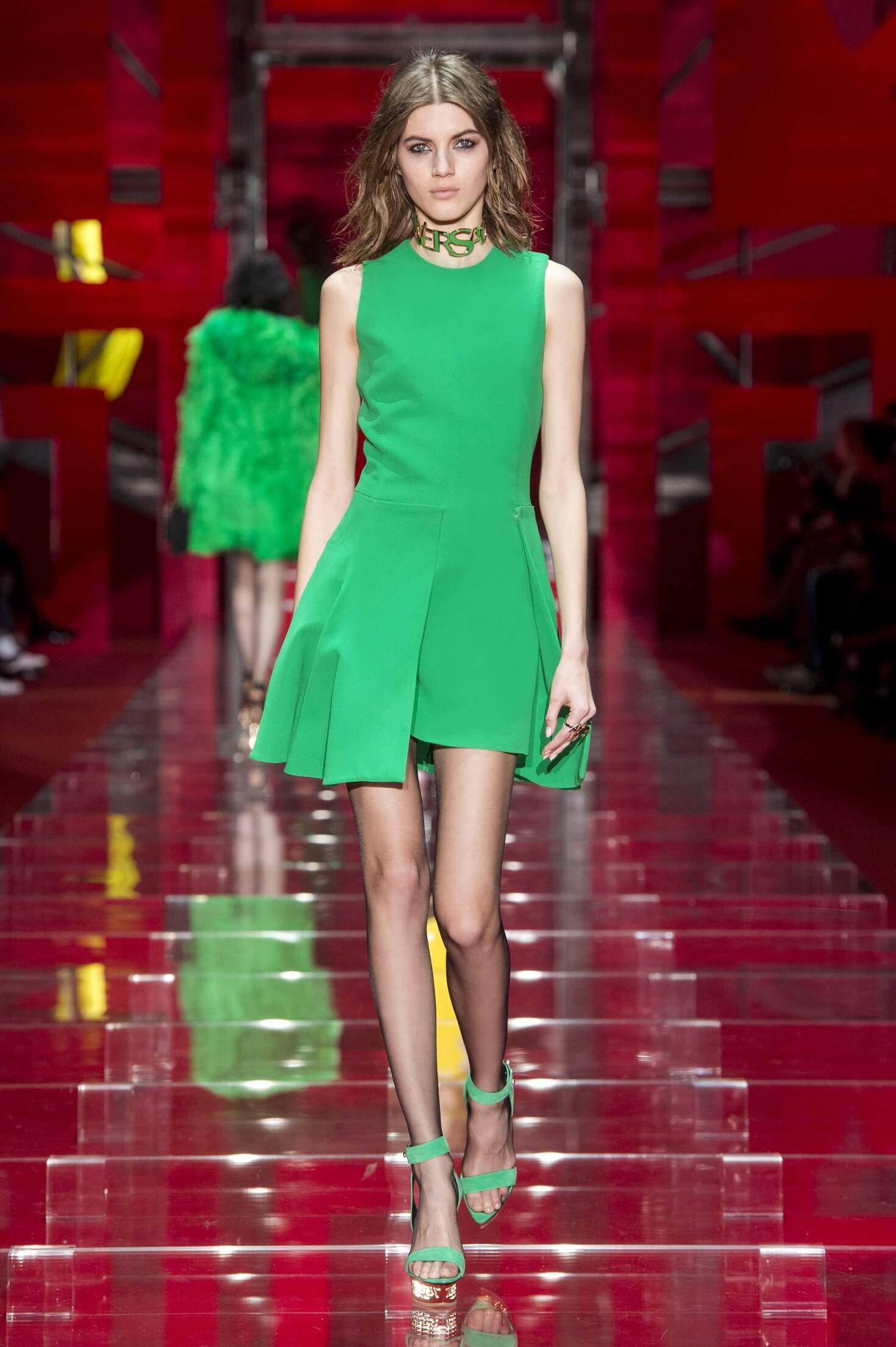 Versace Fall Winter 2015 16 Women's Collection Milan Fashion Week
