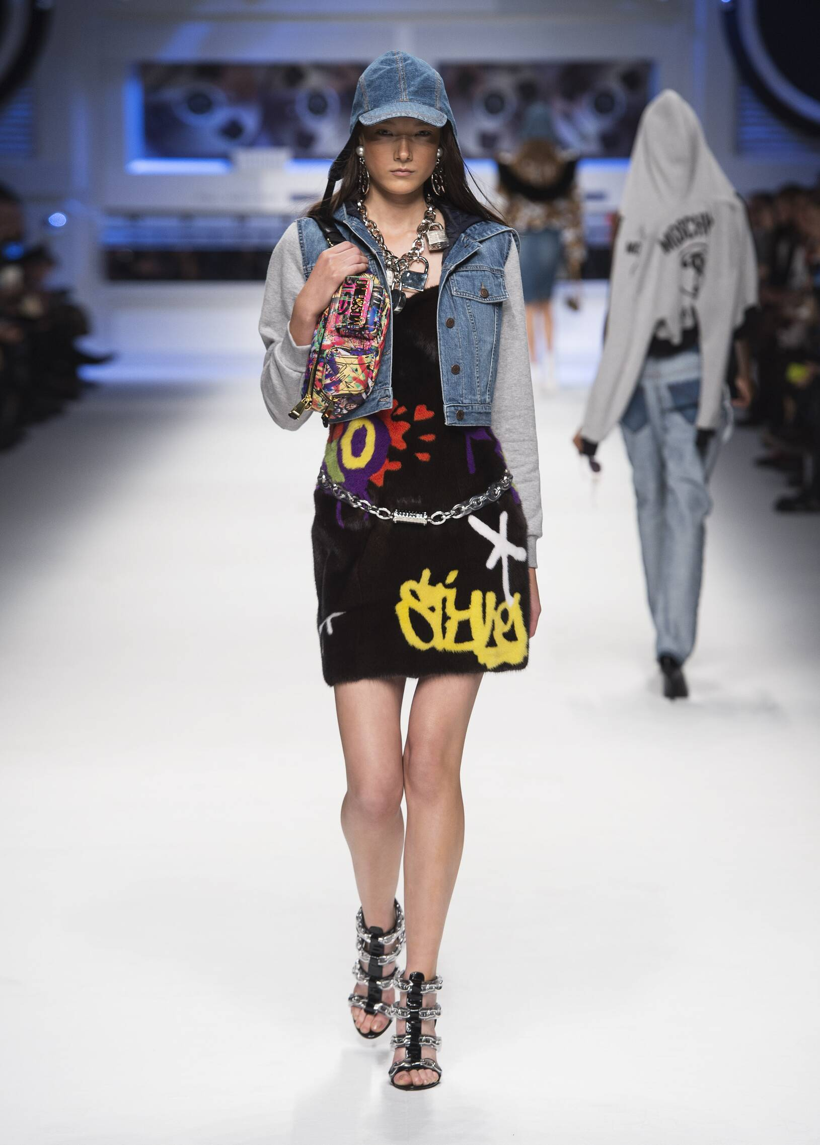 Winter 2015 Runway Moschino