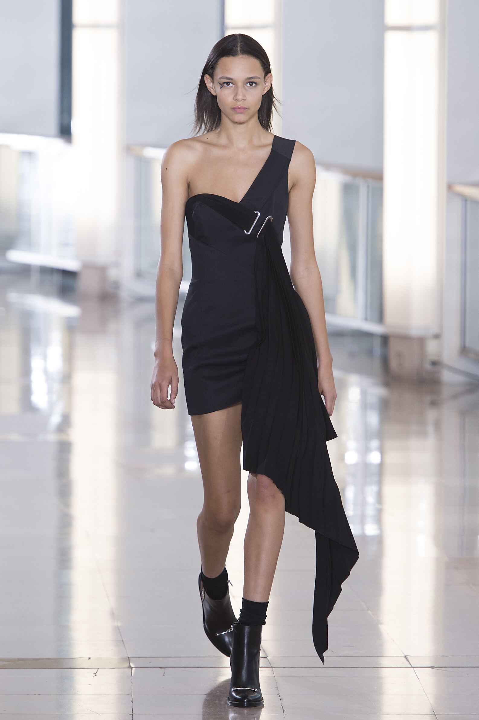 Winter 2015 Woman Trends Anthony Vaccarello Collection