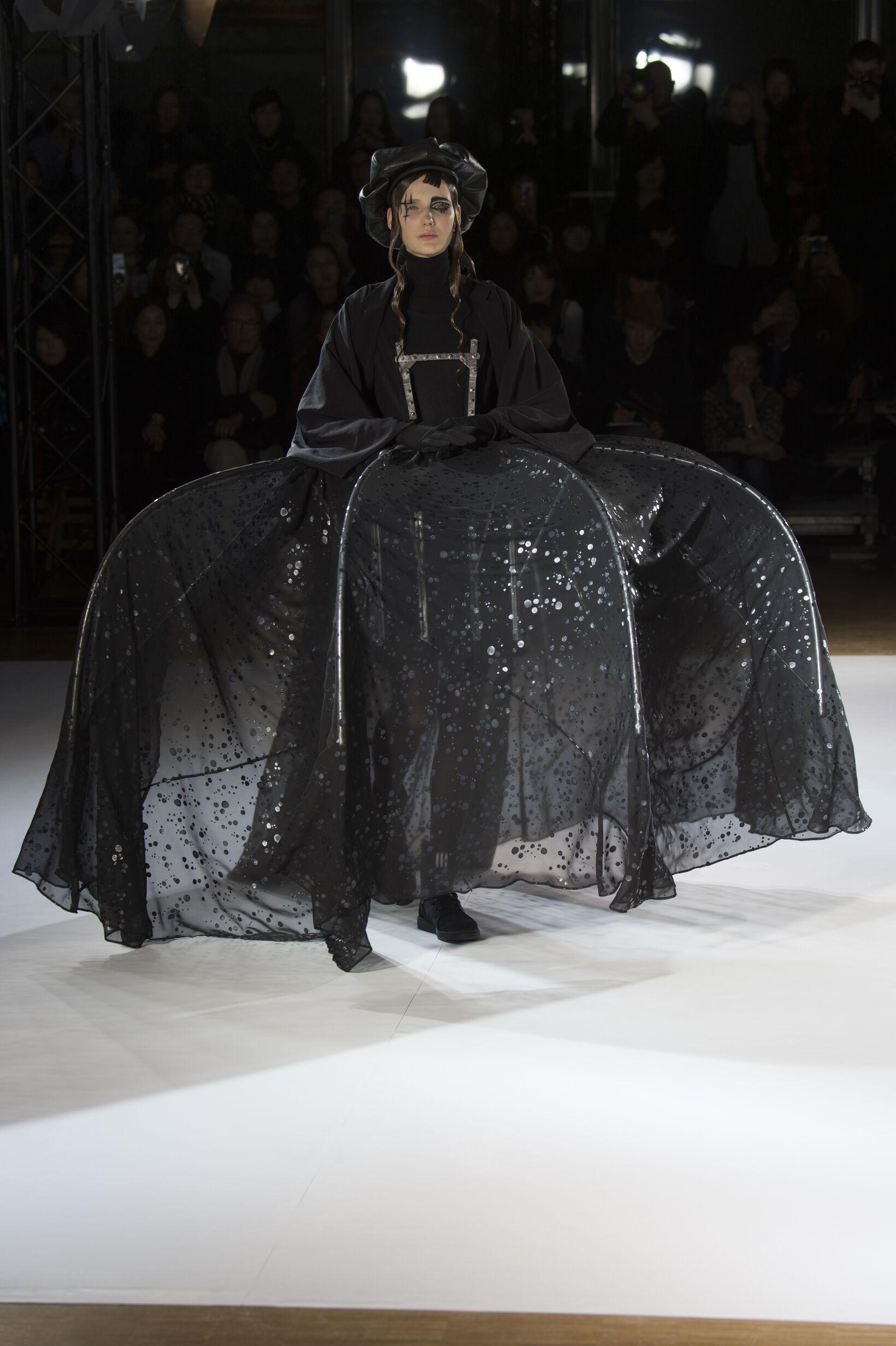 Winter 2015 Woman Trends Yohji Yamamoto Collection