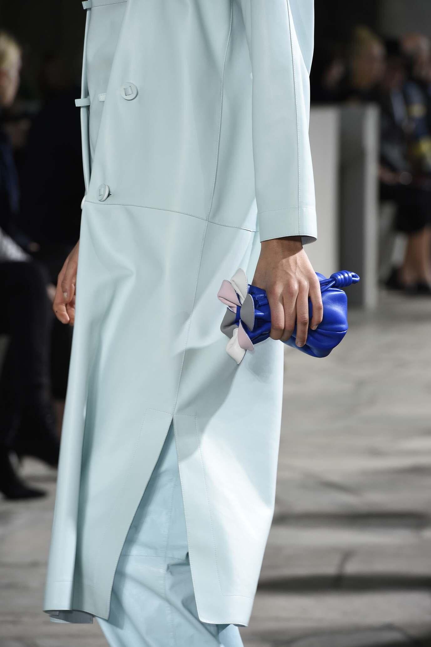 Woman Style Loewe Bag Detail
