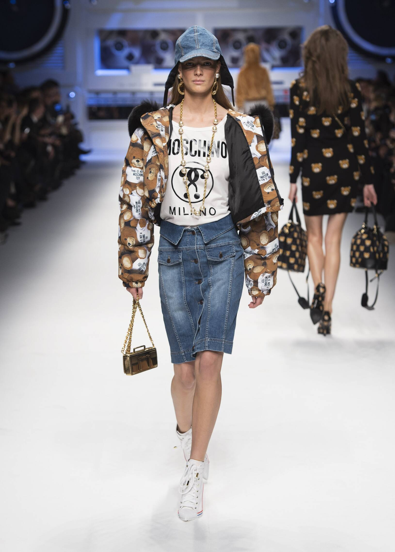 Woman Style Moschino