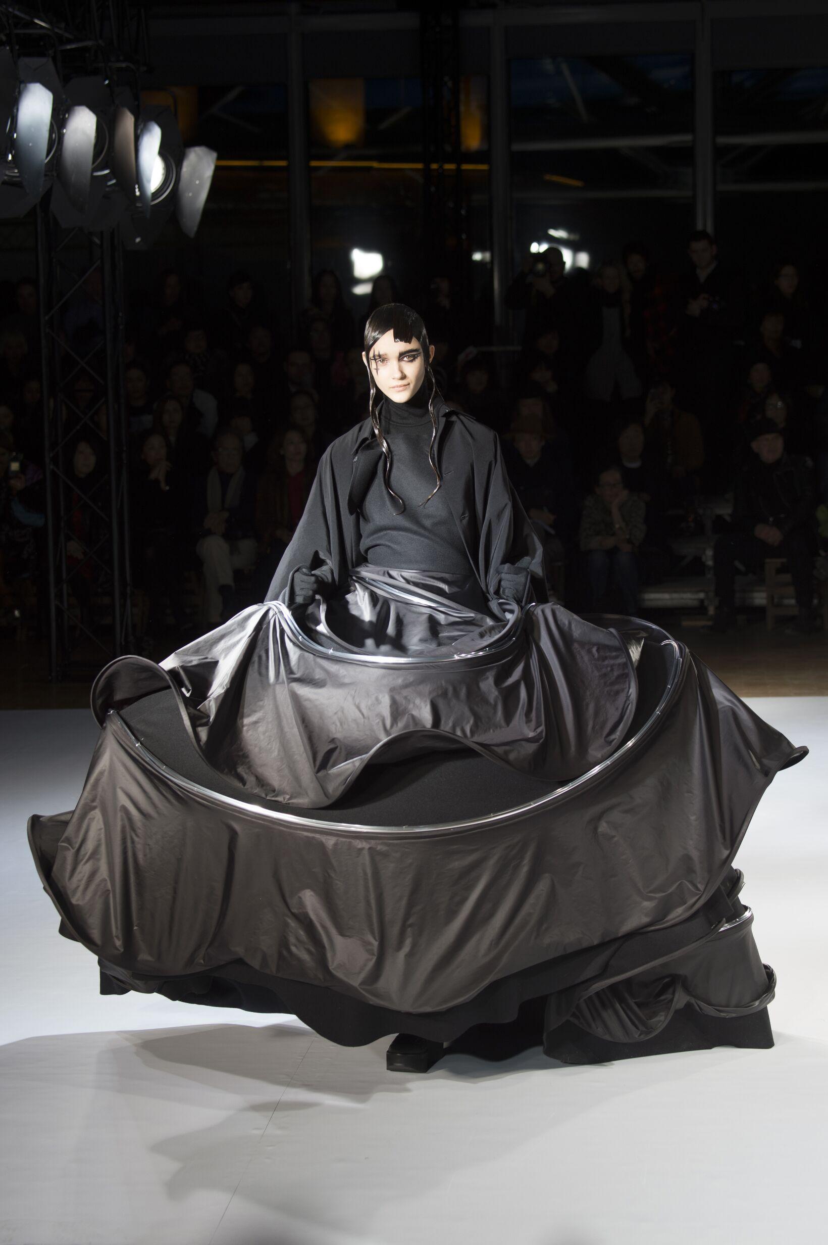 Woman Style Yohji Yamamoto