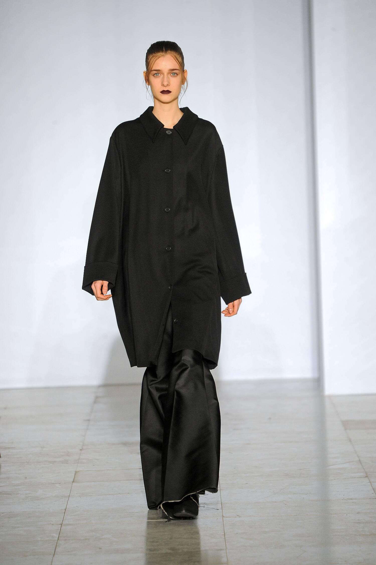 Yang Li Collection Winter 2015 Catwalk