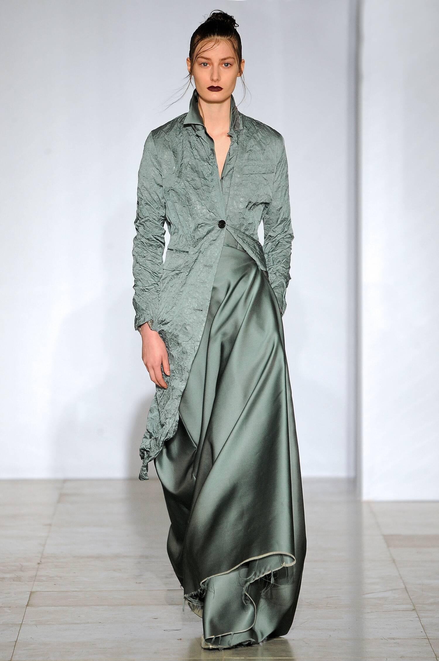 Yang Li Fall Winter 2015 16 Womens Collection Paris Fashion Week
