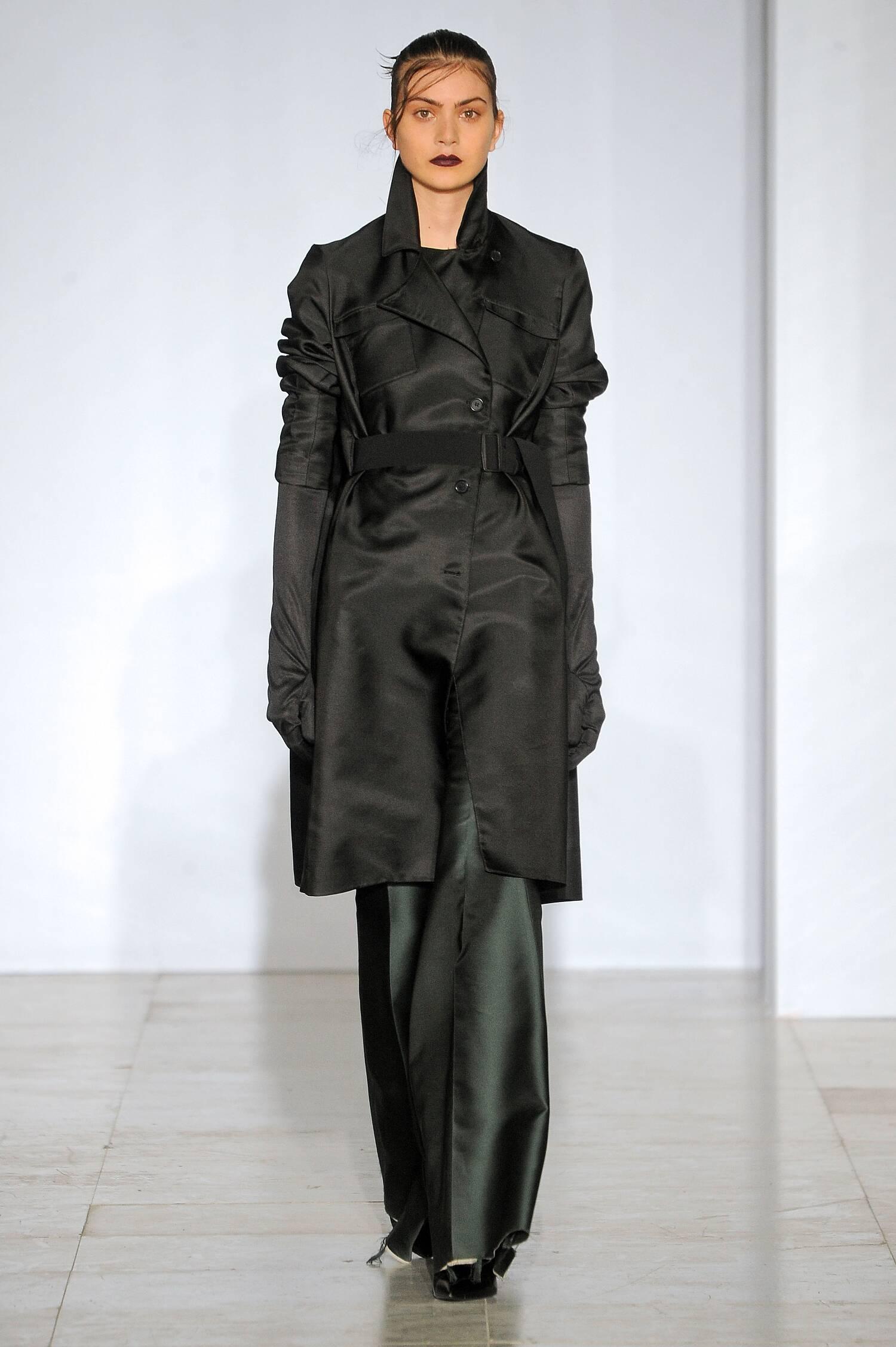 Yang Li Fashion