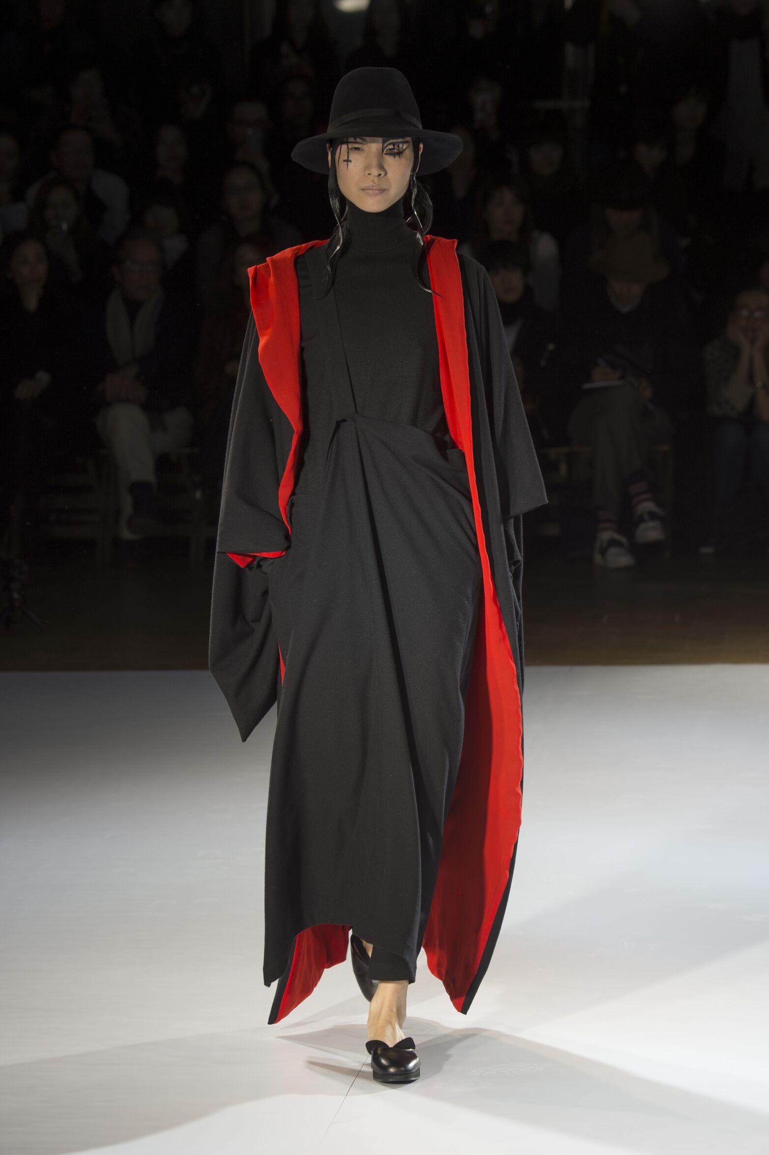 Yohji Yamamoto Collection Woman 2015