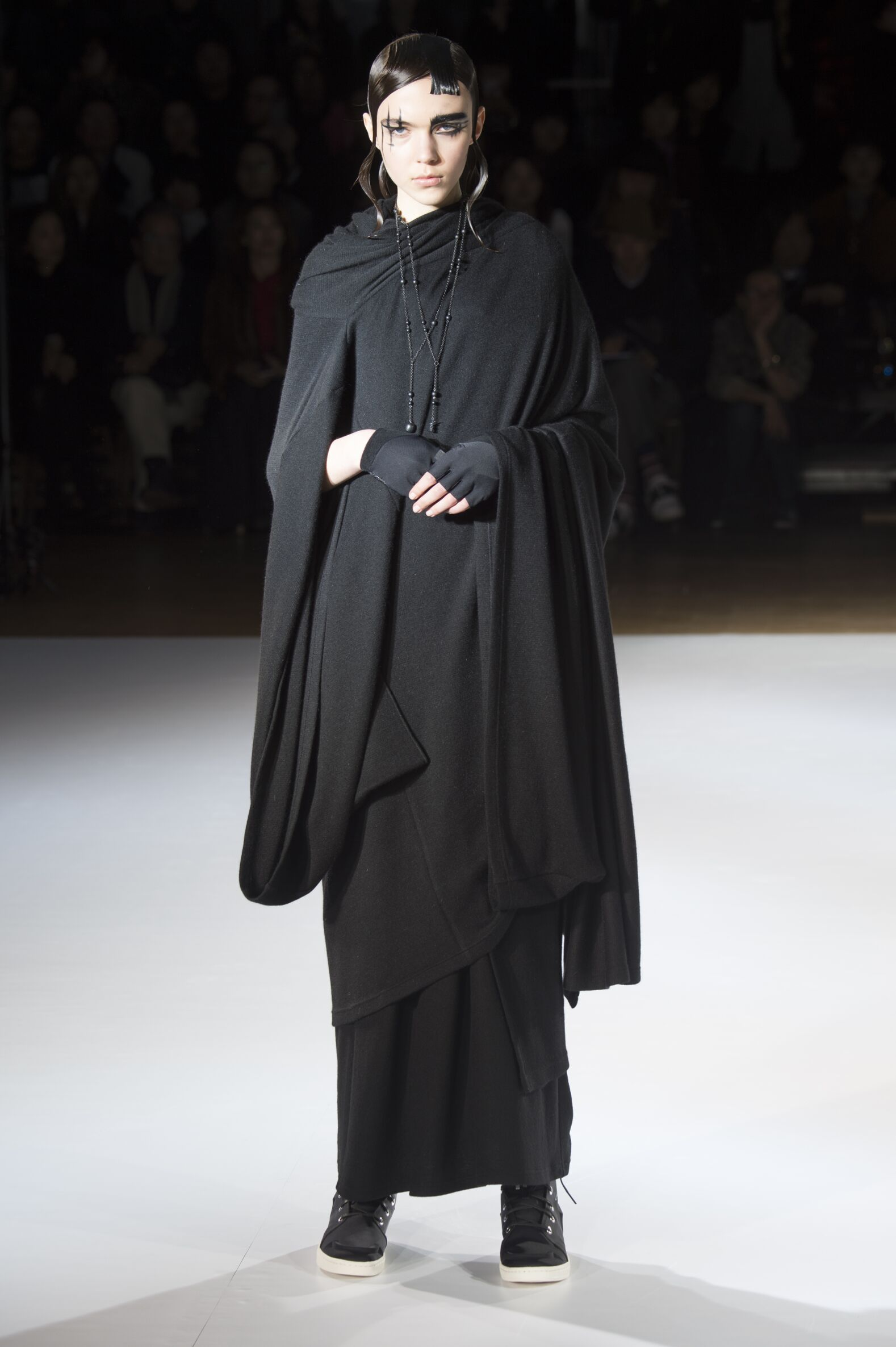 Yohji Yamamoto Collection Woman Paris Fashion Week