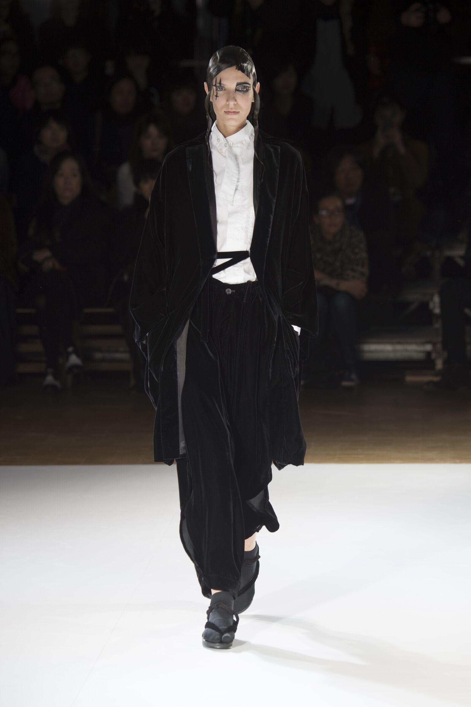 Yohji Yamamoto Fall Winter 2015 16 Womens Collection Paris Fashion Week