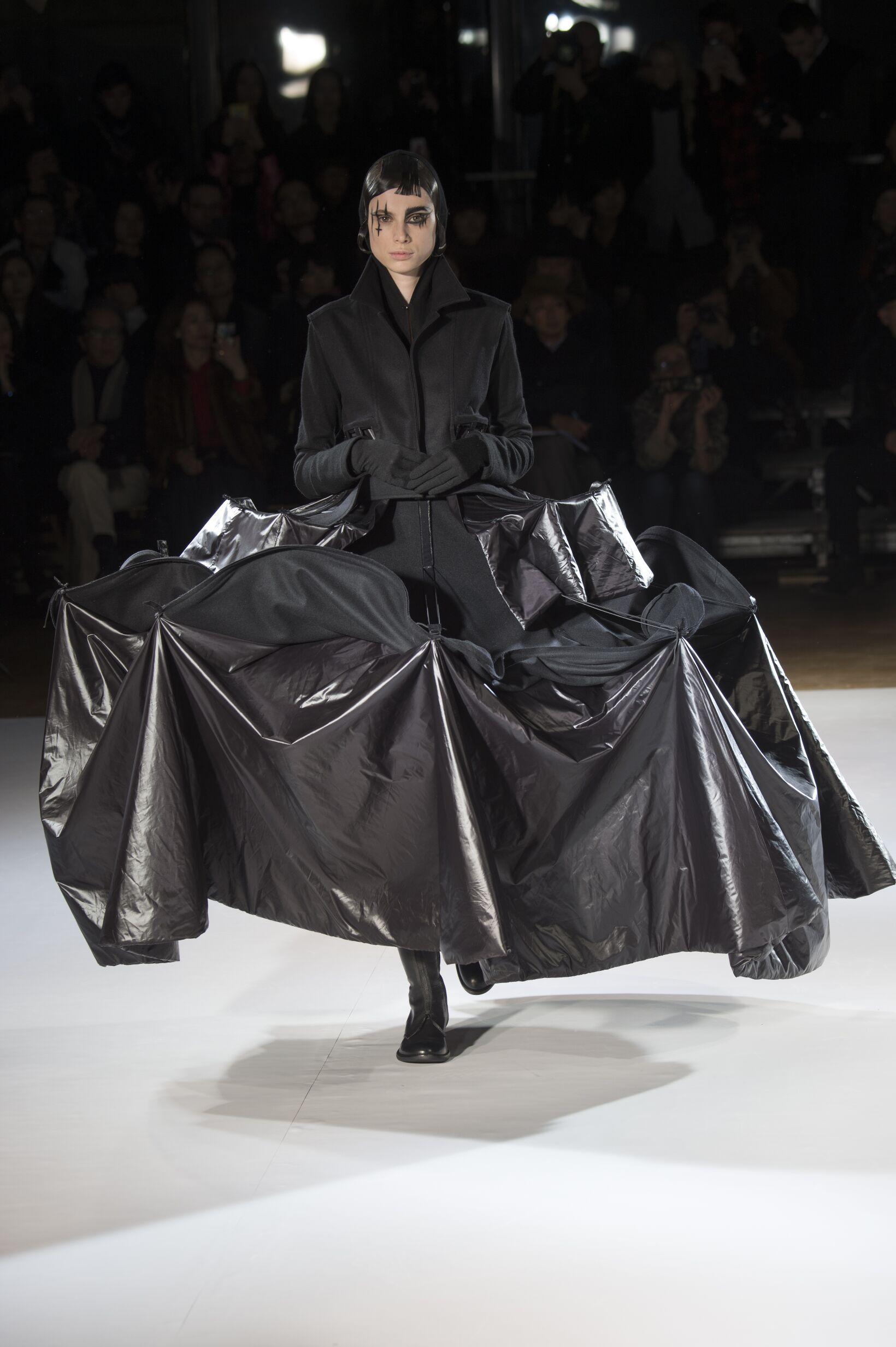 Yohji Yamamoto Runway