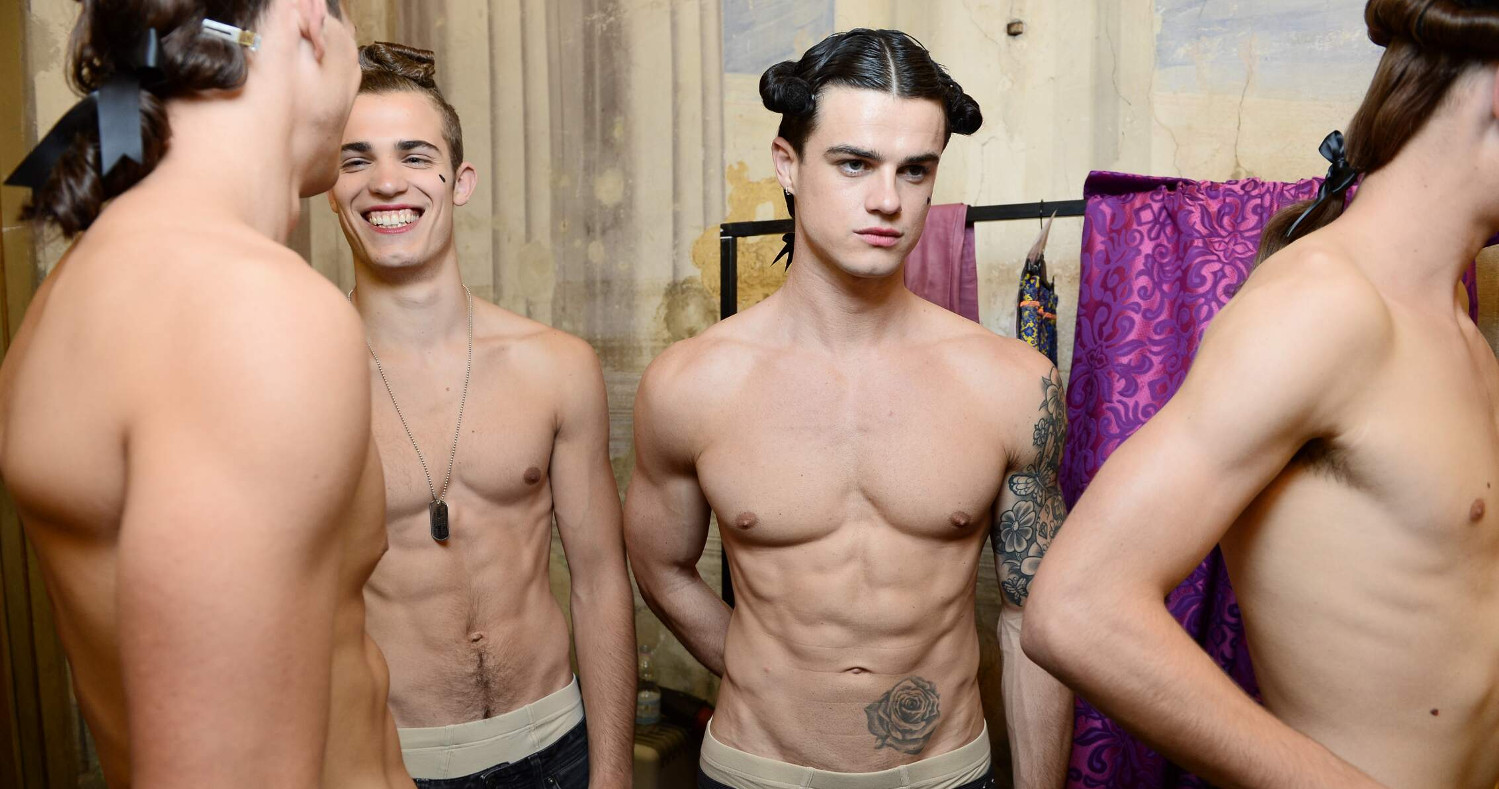 Backstage Moschino Models SS 2016 Florence Menswear