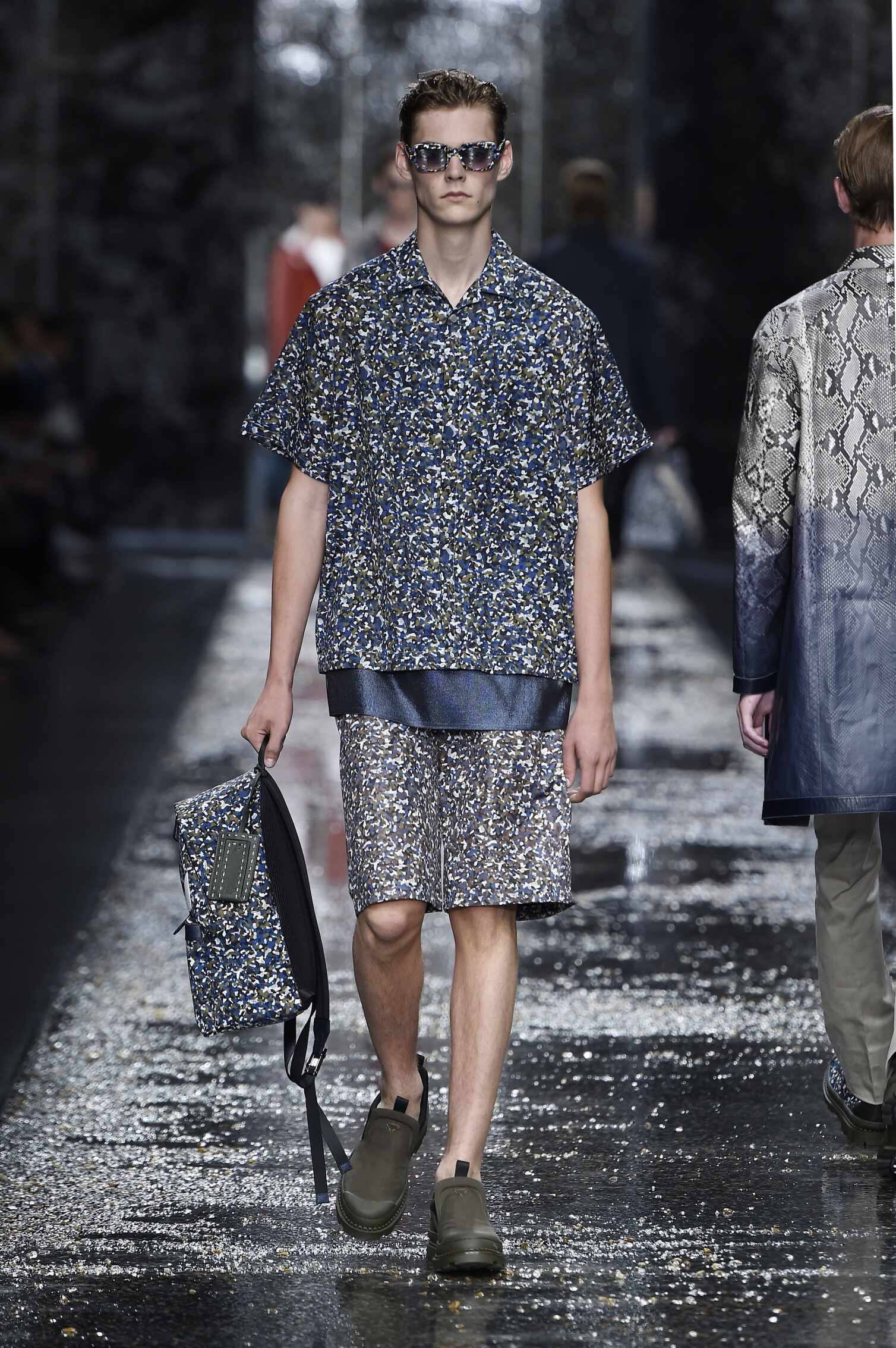 2016 Fashion Man Model Fendi Collection Catwalk