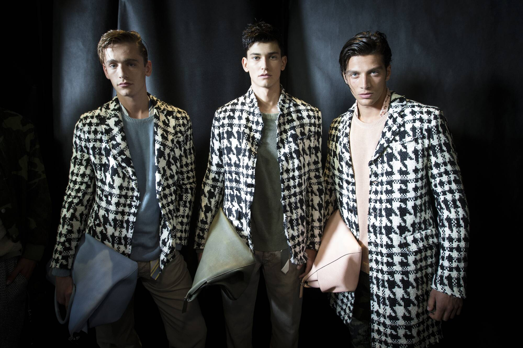 Backstage Ermanno Scervino Models SS 2016 Milan