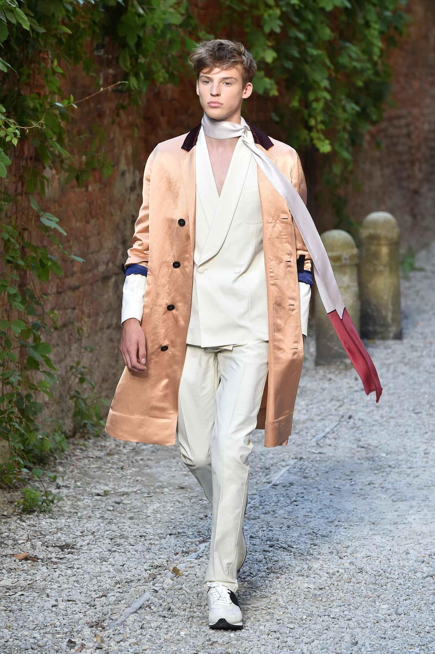 Catwalk Andrea Pompilio Spring Summer 2016 Men's Collection Milan Fashion Week