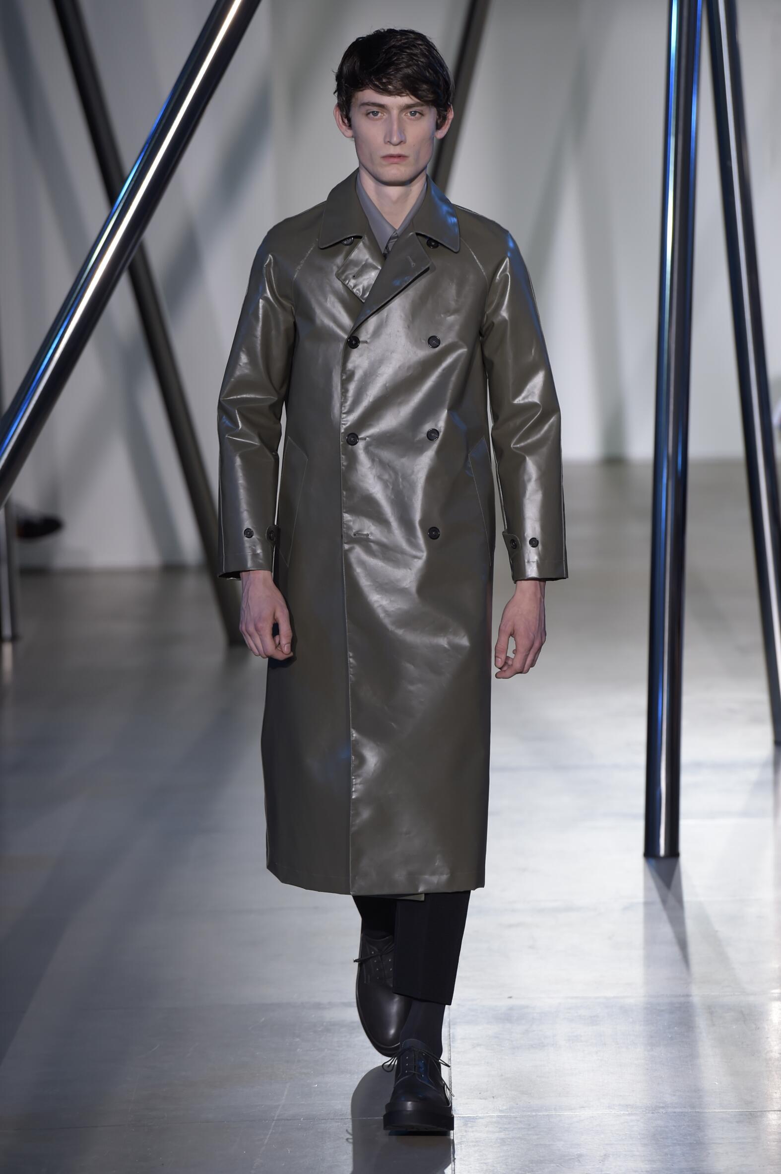 Catwalk Jil Sander Spring Summer 2016 Men's Collection Milan Fashion Week