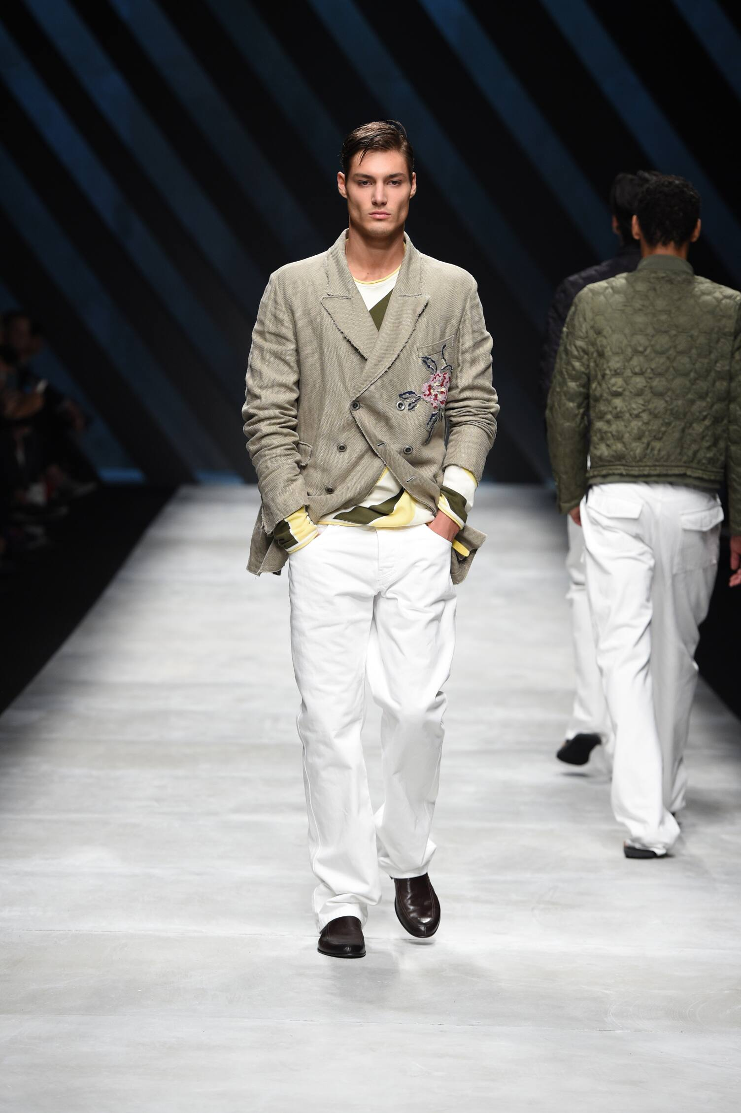 Ermanno Scervino Collection Fashion Show SS 2016