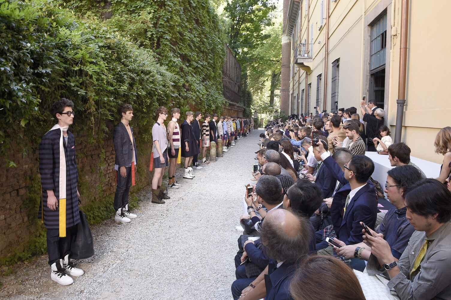 Fashion Show SS 2016 Andrea Pompilio Menswear