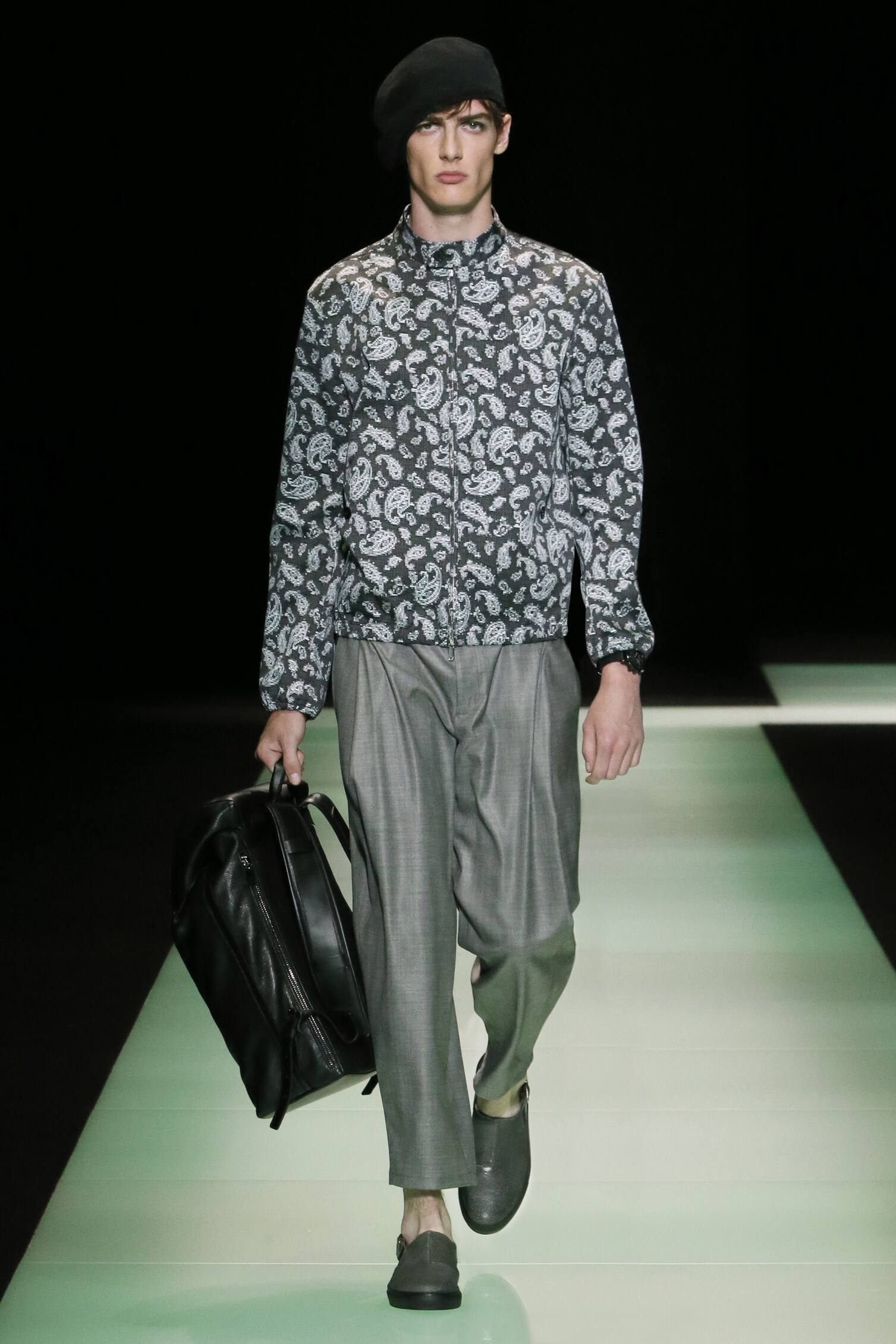 Fashion Show SS 2016 Emporio Armani Menswear