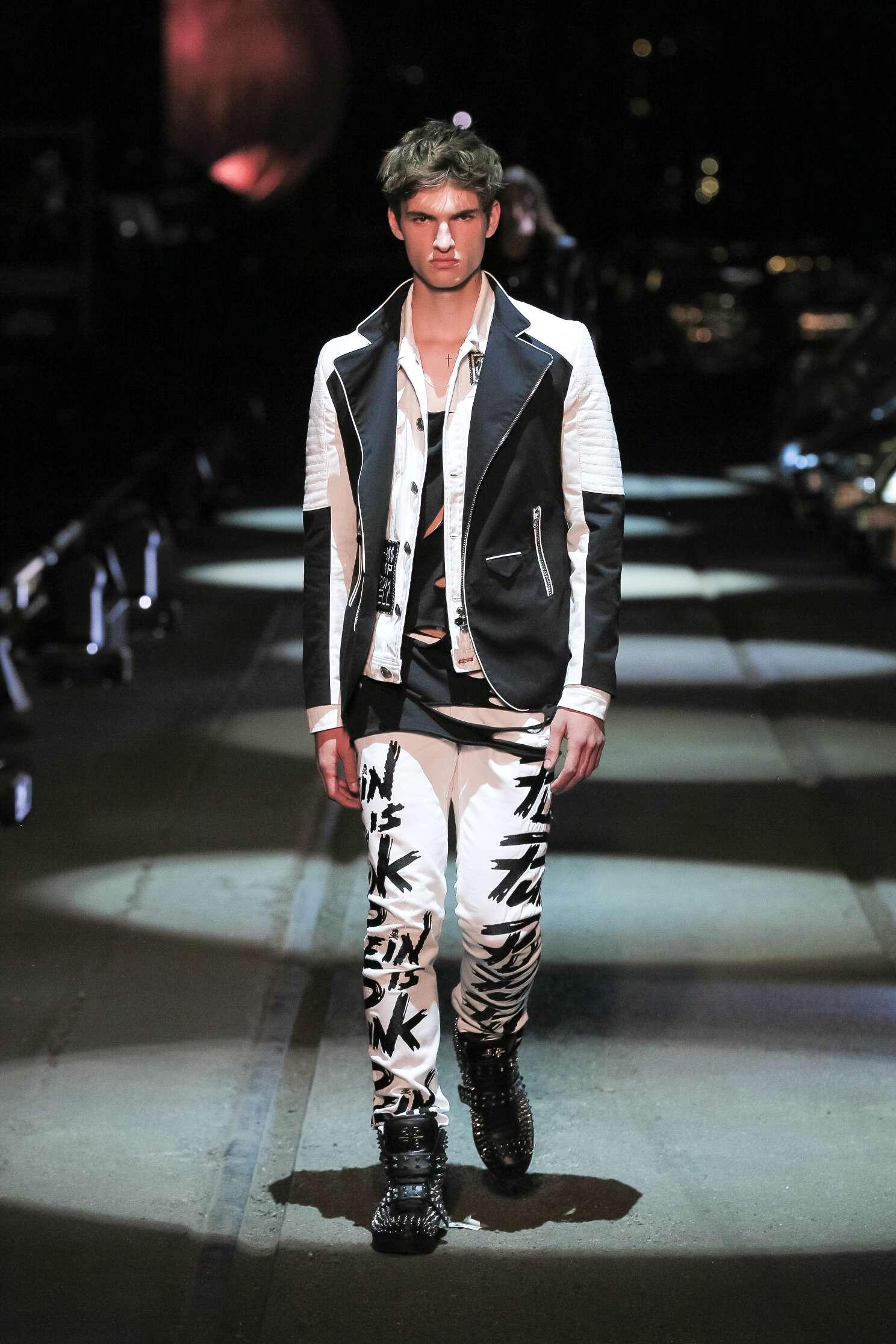 Runway Philipp Plein Spring Summer 2016 Men's Collection Milan Fashion Week