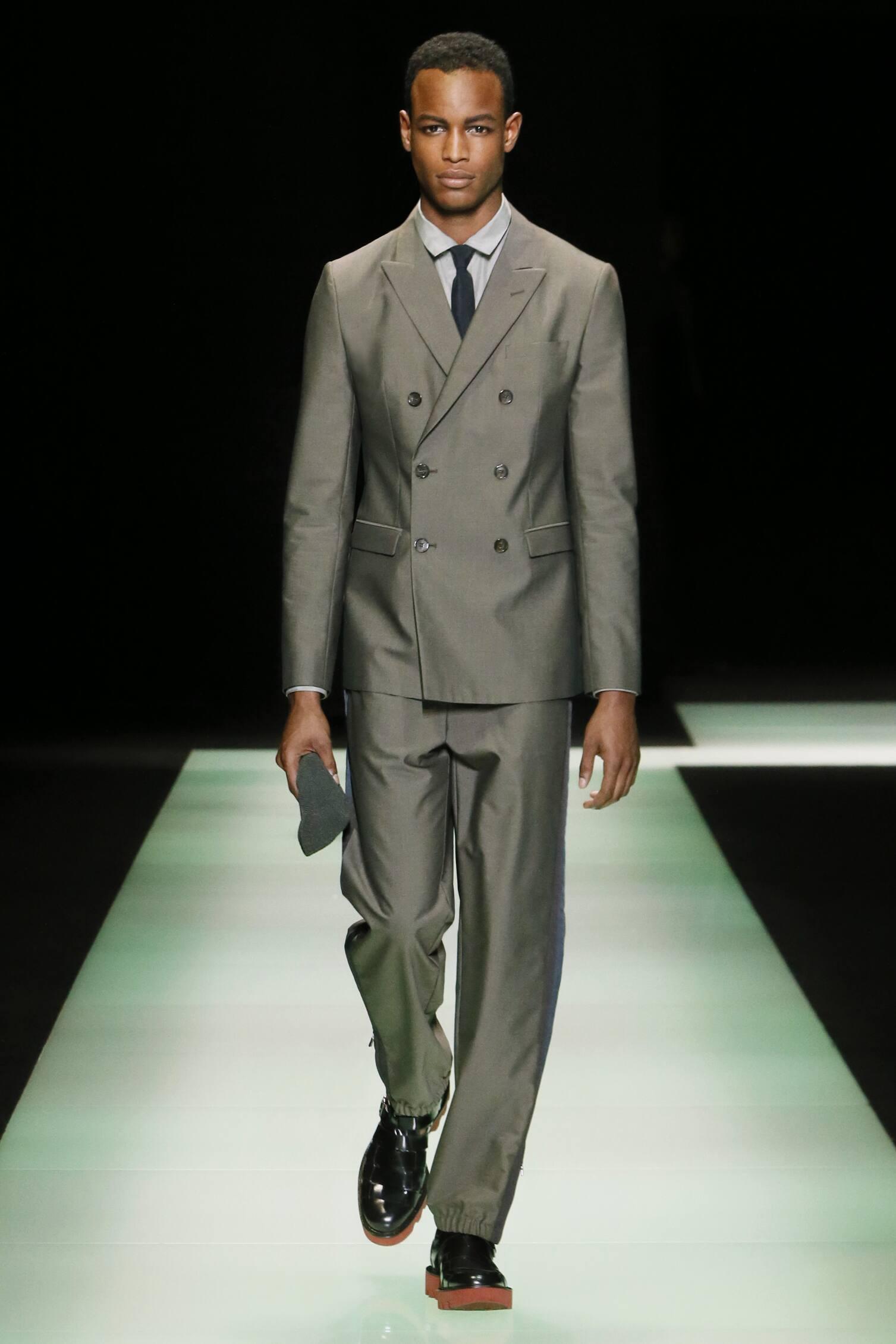 Spring 2016 Men Fashion Show Emporio Armani Collection