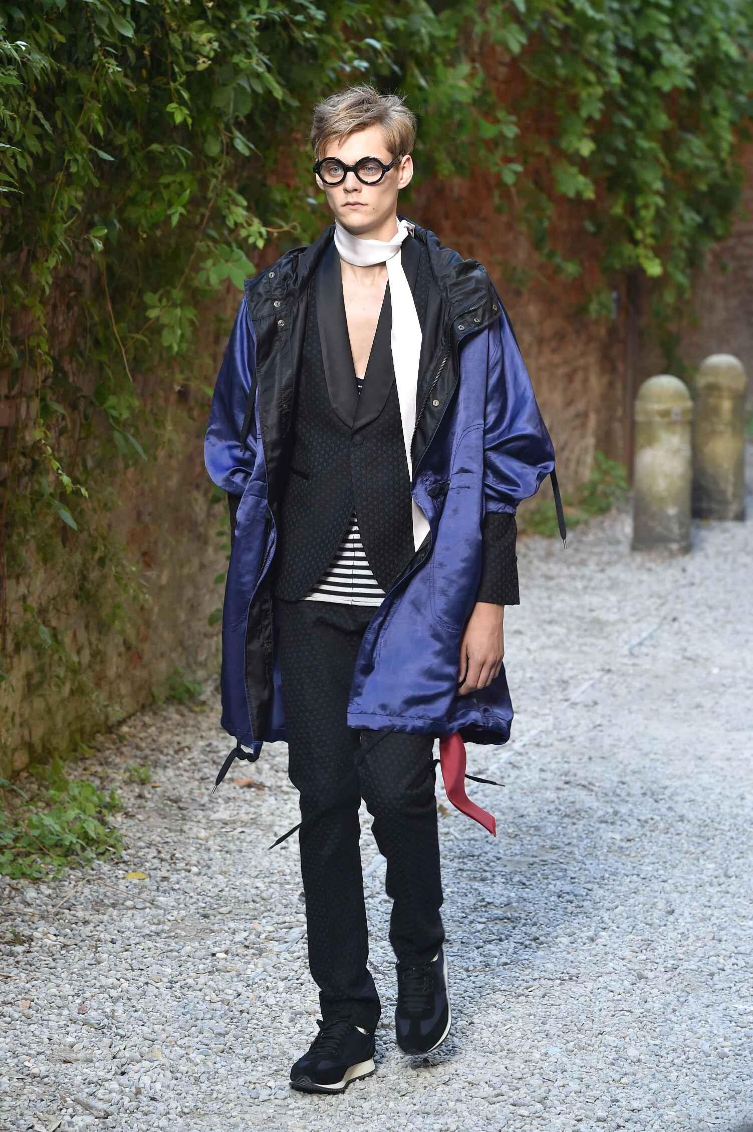Spring Andrea Pompilio Collection Fashion Men Model