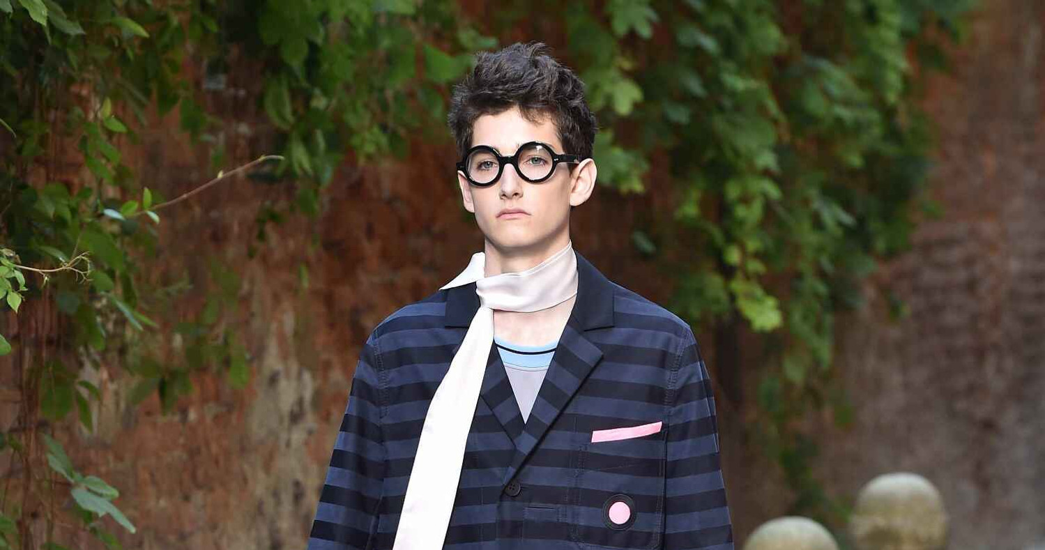 Spring Fashion Man Andrea Pompilio Collection 2016