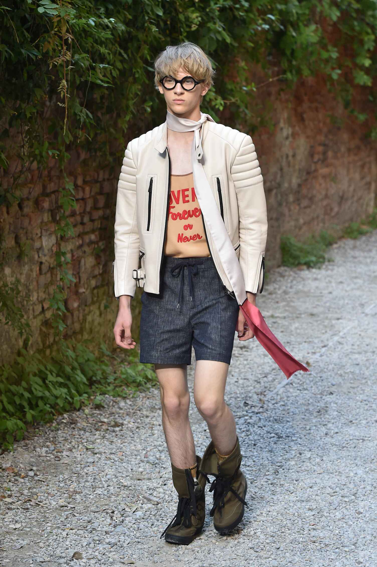 Summer 2016 Man Trends Andrea Pompilio Collection
