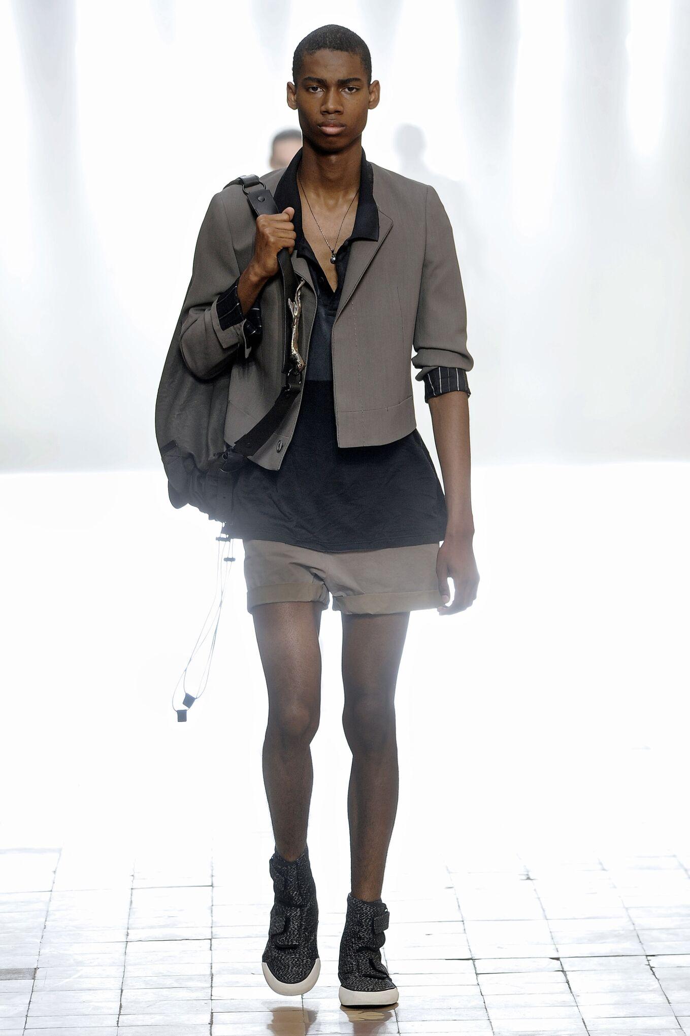 2016 Fashion Man Model Lanvin Collection Catwalk