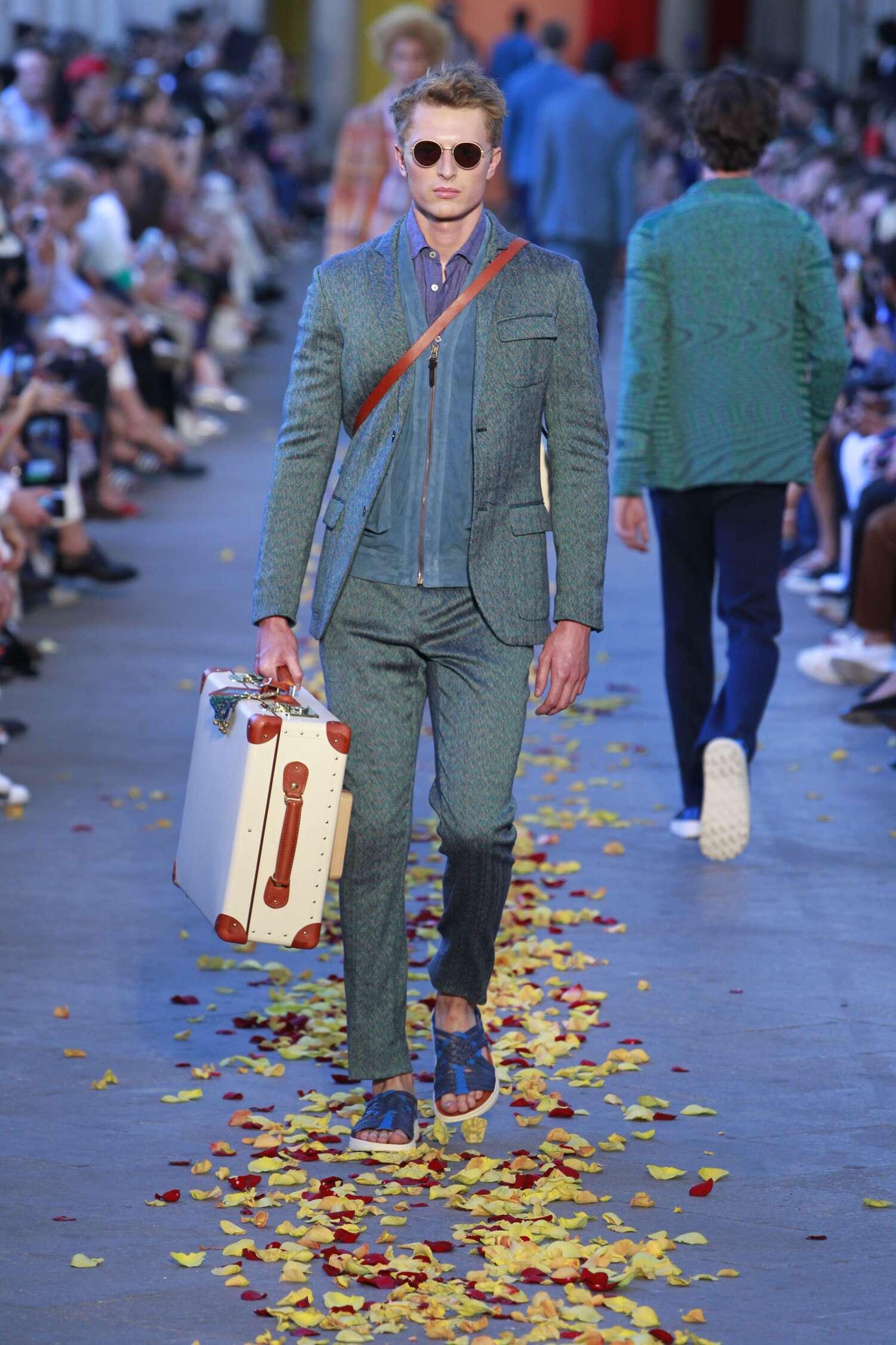 2016 Fashion Man Model Missoni Collection Catwalk