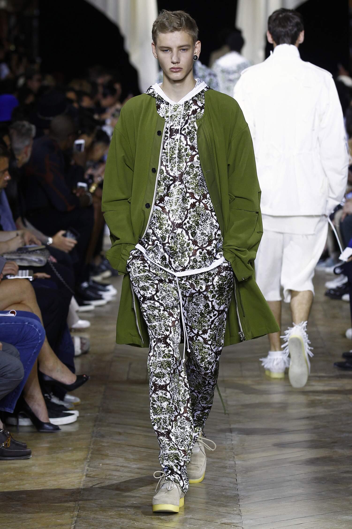 Catwalk Phillip Lim Spring Summer 2016 Men's Collection Paris Fashion Week