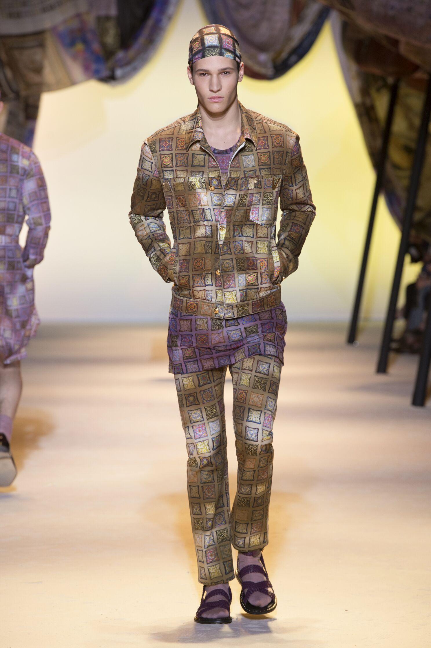 Fashion Menswear Versace Collection Catwalk