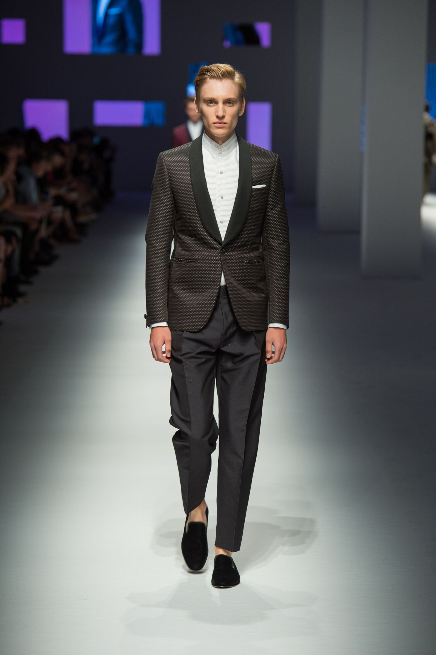 Runway Canali Fashion Show Summer 2016