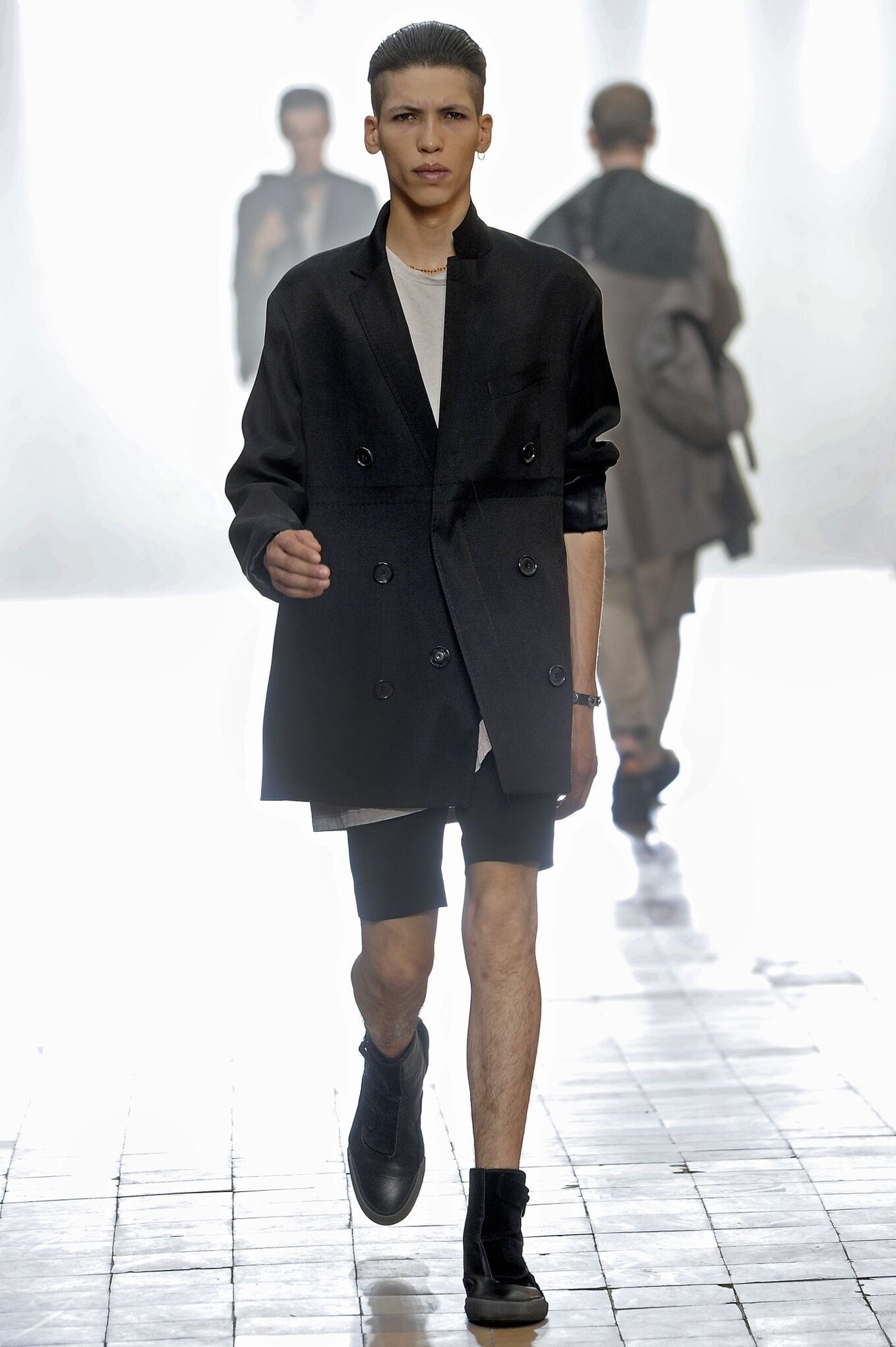 Spring 2016 Men Fashion Show Lanvin Collection