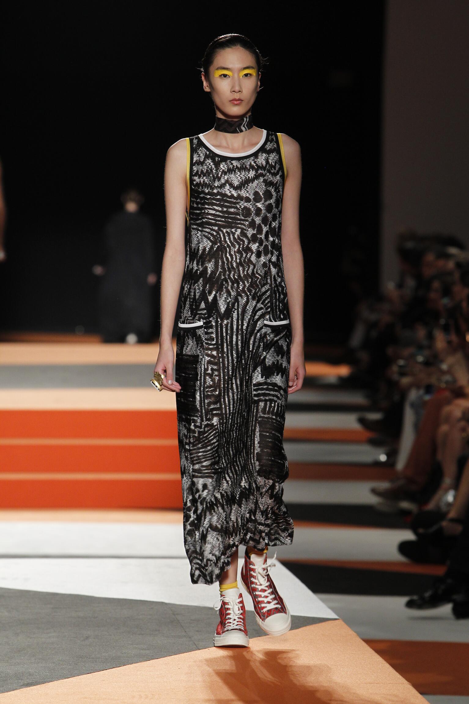 2016 Catwalk Missoni Woman Fashion Show Summer