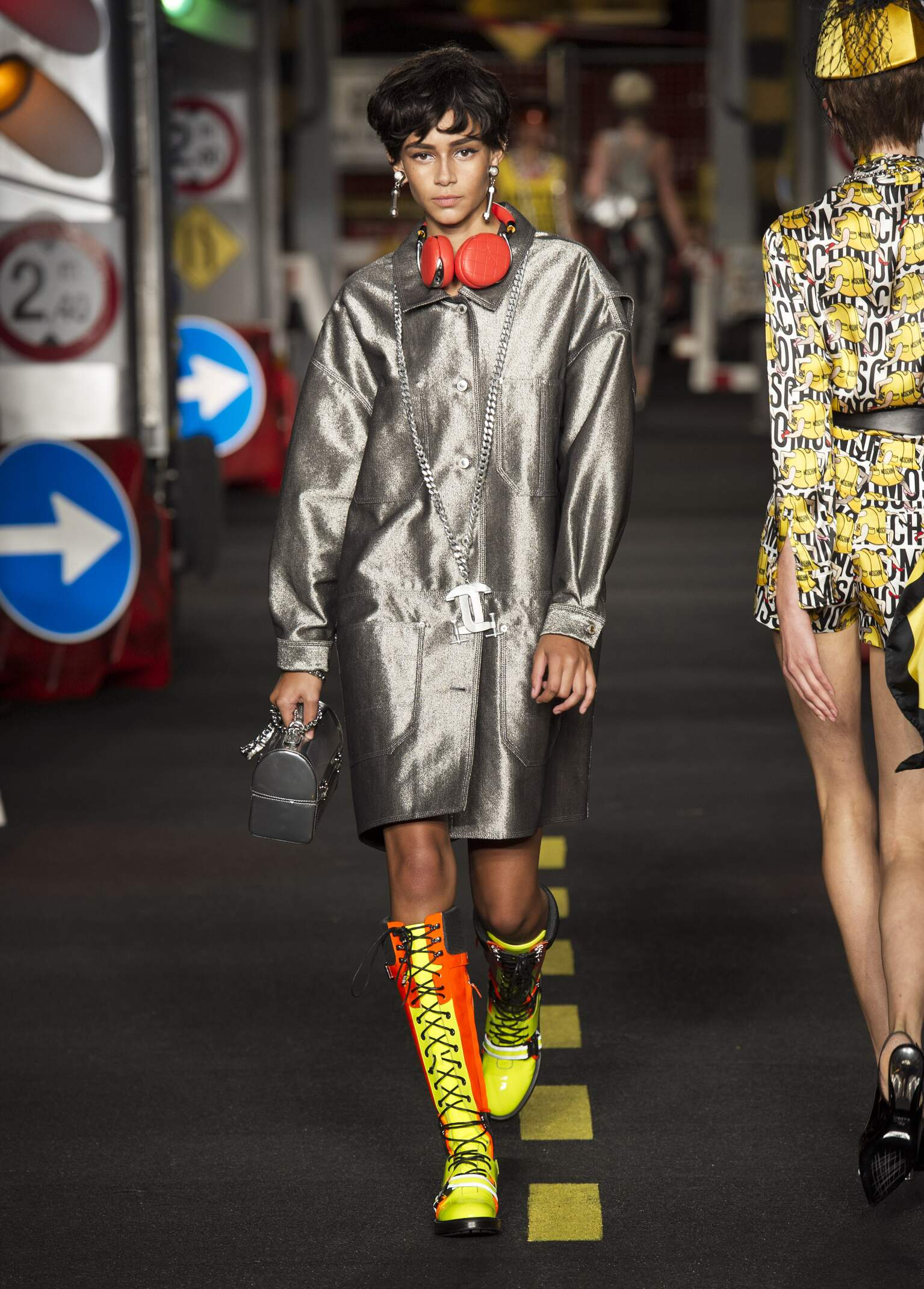 2016 Moschino Summer Catwalk