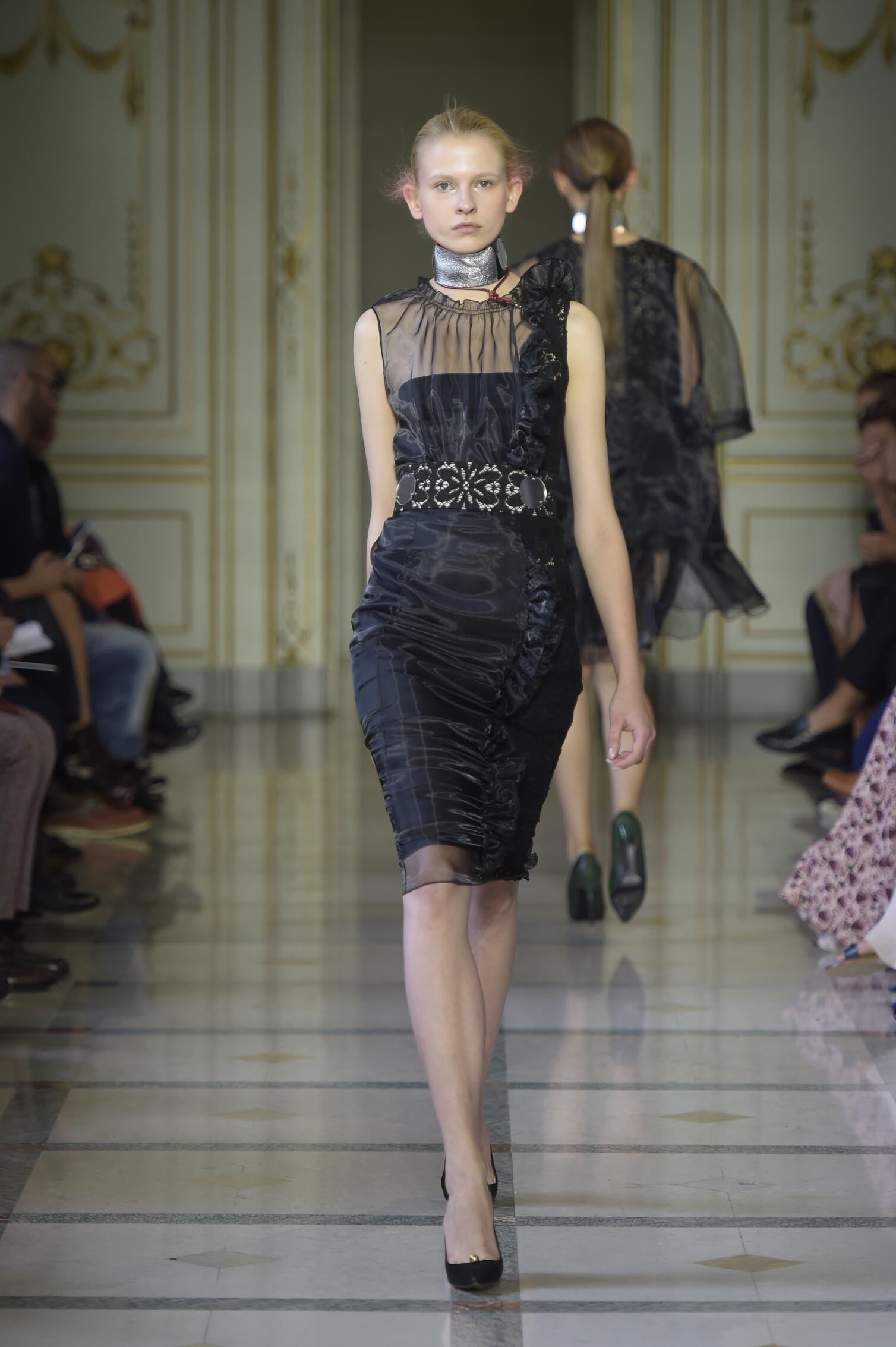 Catwalk Andrea Incontri Woman Fashion Show Summer 2016