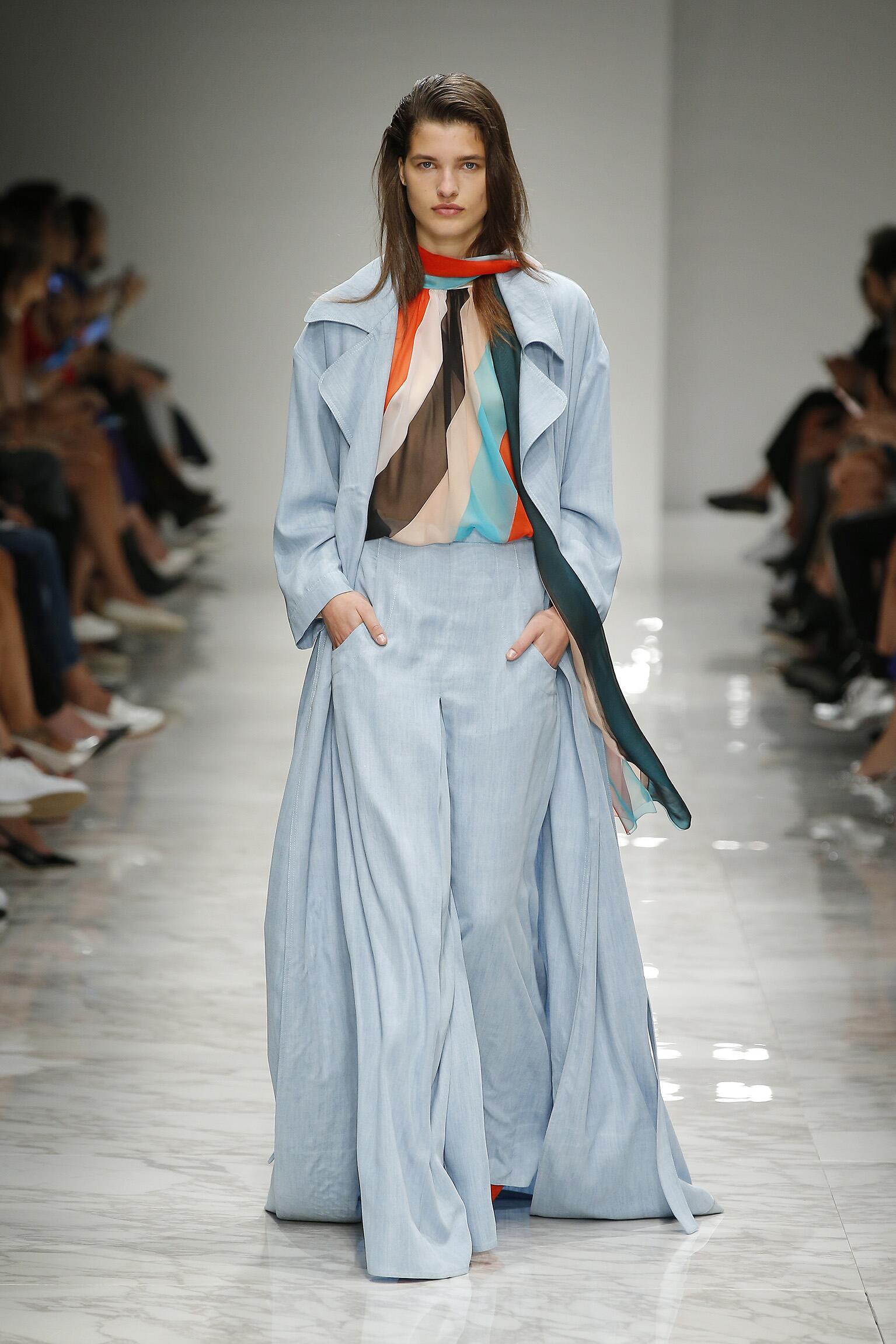 Catwalk Blumarine Woman Fashion Show Summer 2016