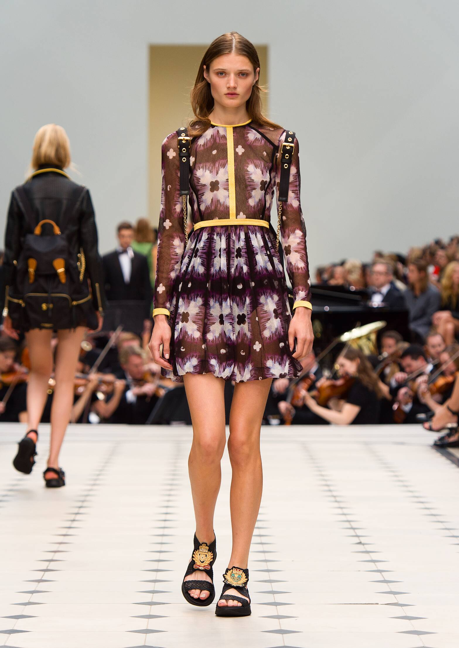 Catwalk Burberry Prorsum Summer 2016