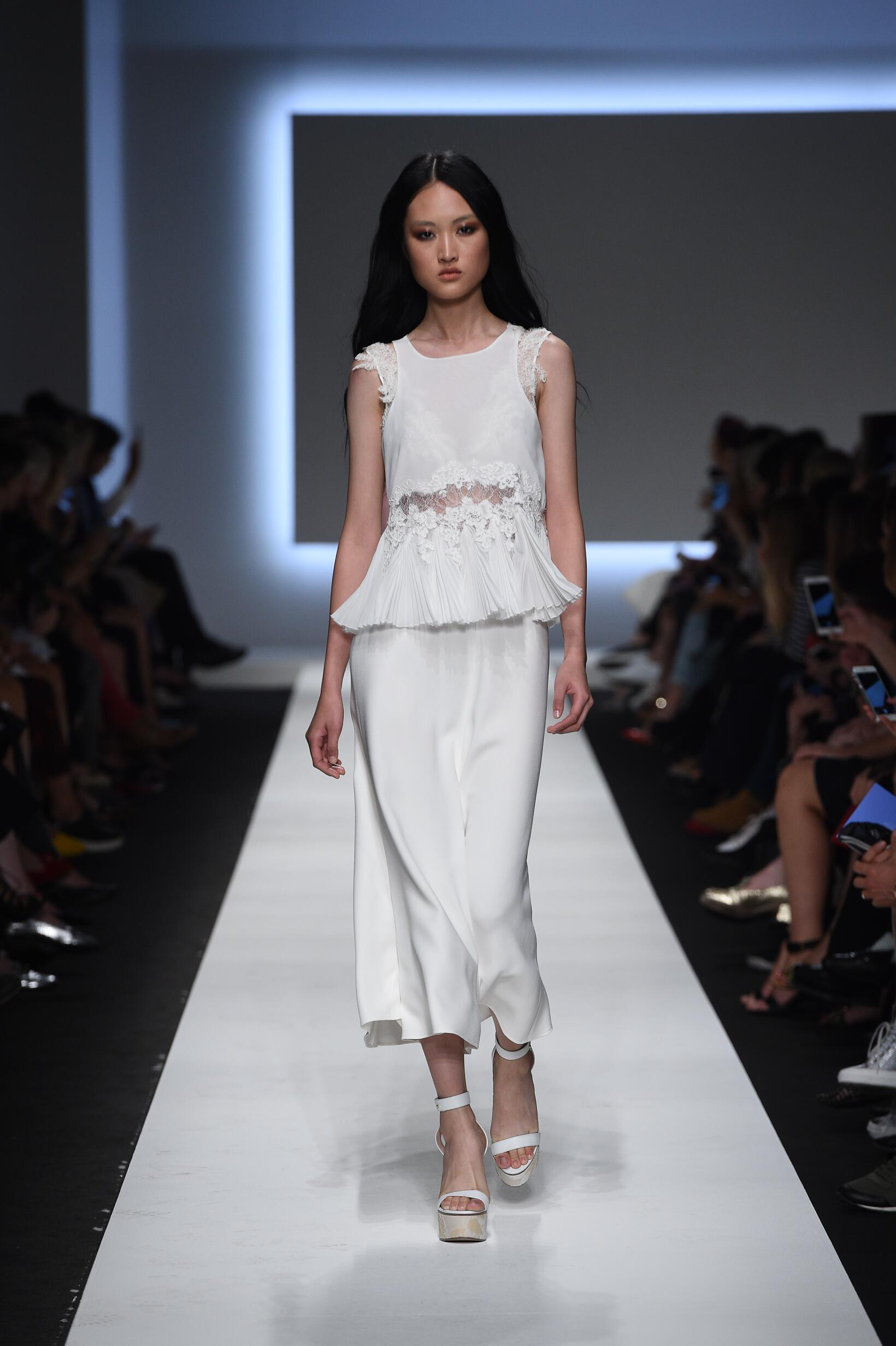 Catwalk Ermanno Scervino Summer 2016