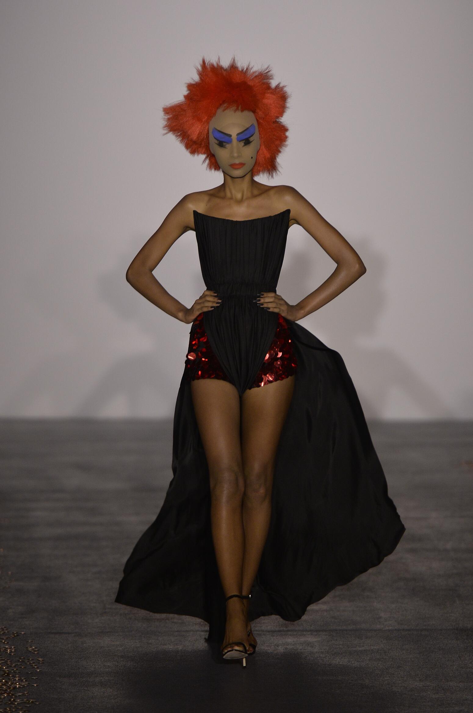 Catwalk Gareth Pugh Collection Fashion Show Summer 2016