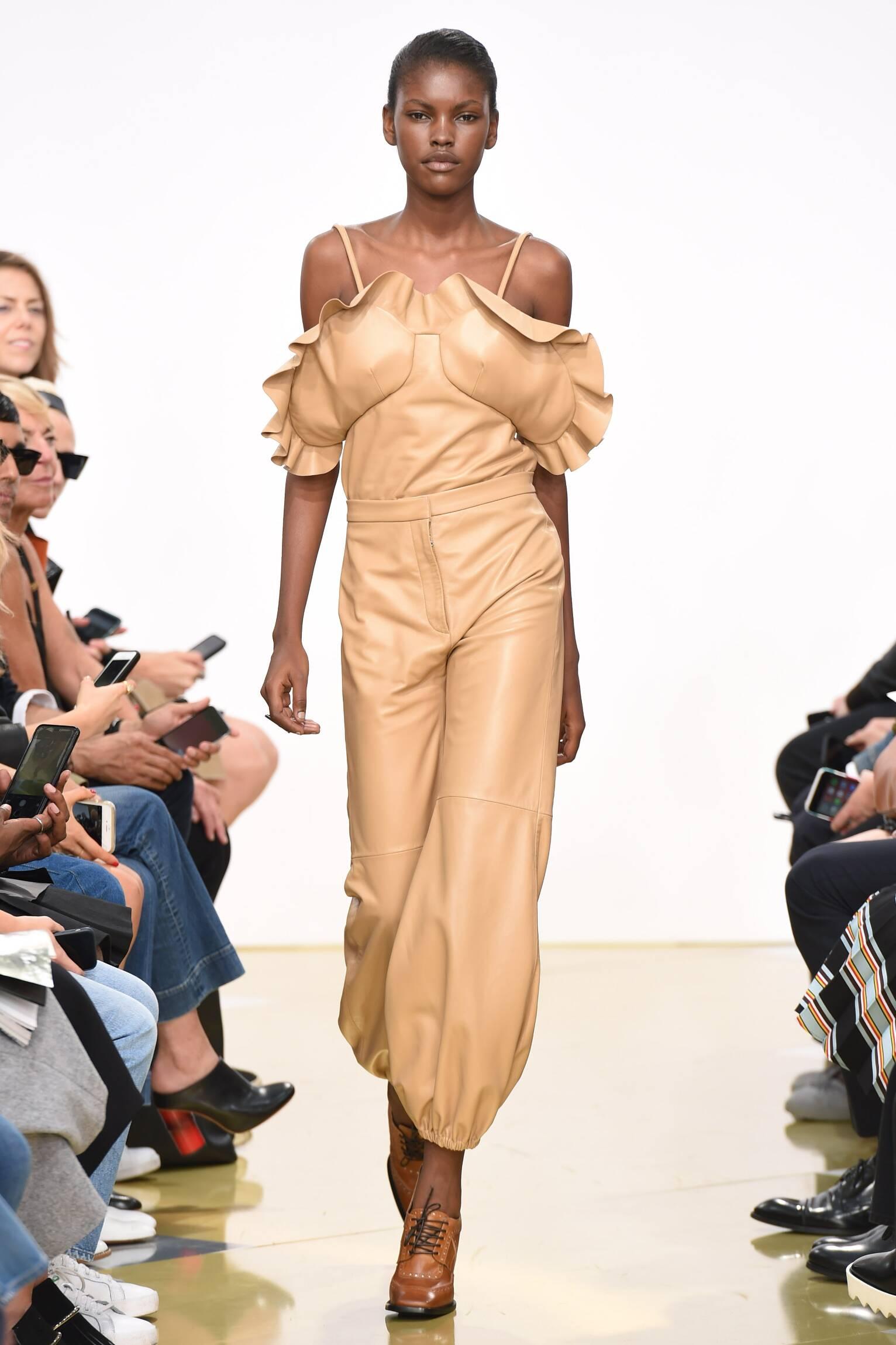 Catwalk J.W. Anderson Womenswear Collection Summer 2016