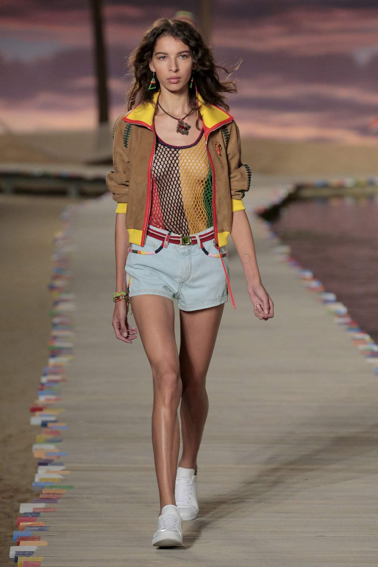 Catwalk Tommy Hilfiger Woman Fashion Show Summer 2016