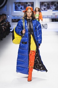 MOSCHINO FALL WINTER 2015-16 WOMEN'S COLLECTION – MILAN FASHION WEEK