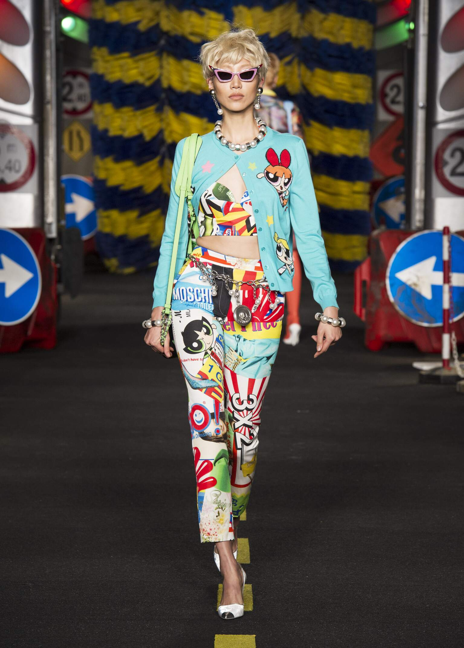 Fashion 2016 Catwalk Moschino Summer