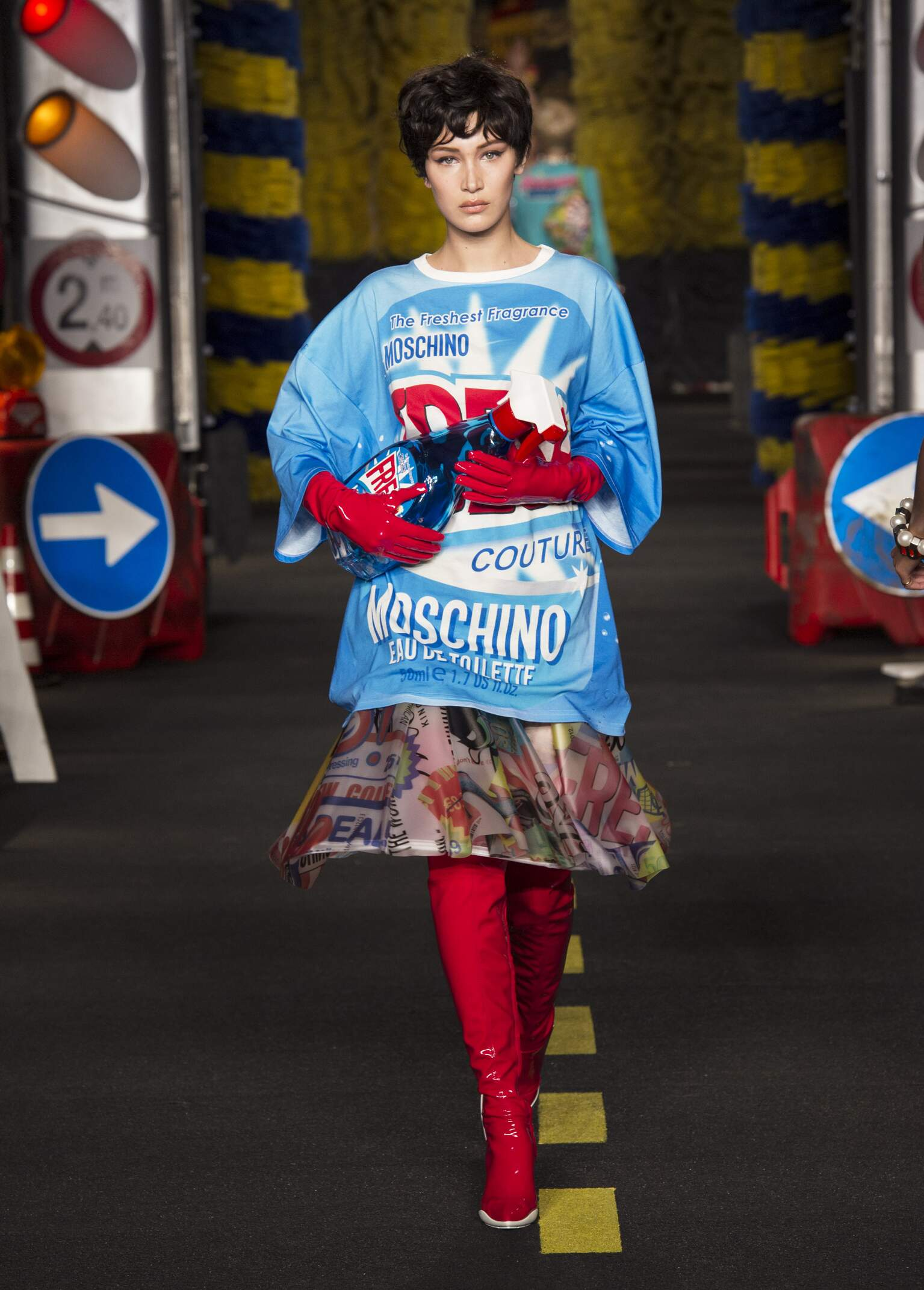 Fashion 2016 Catwalk Moschino