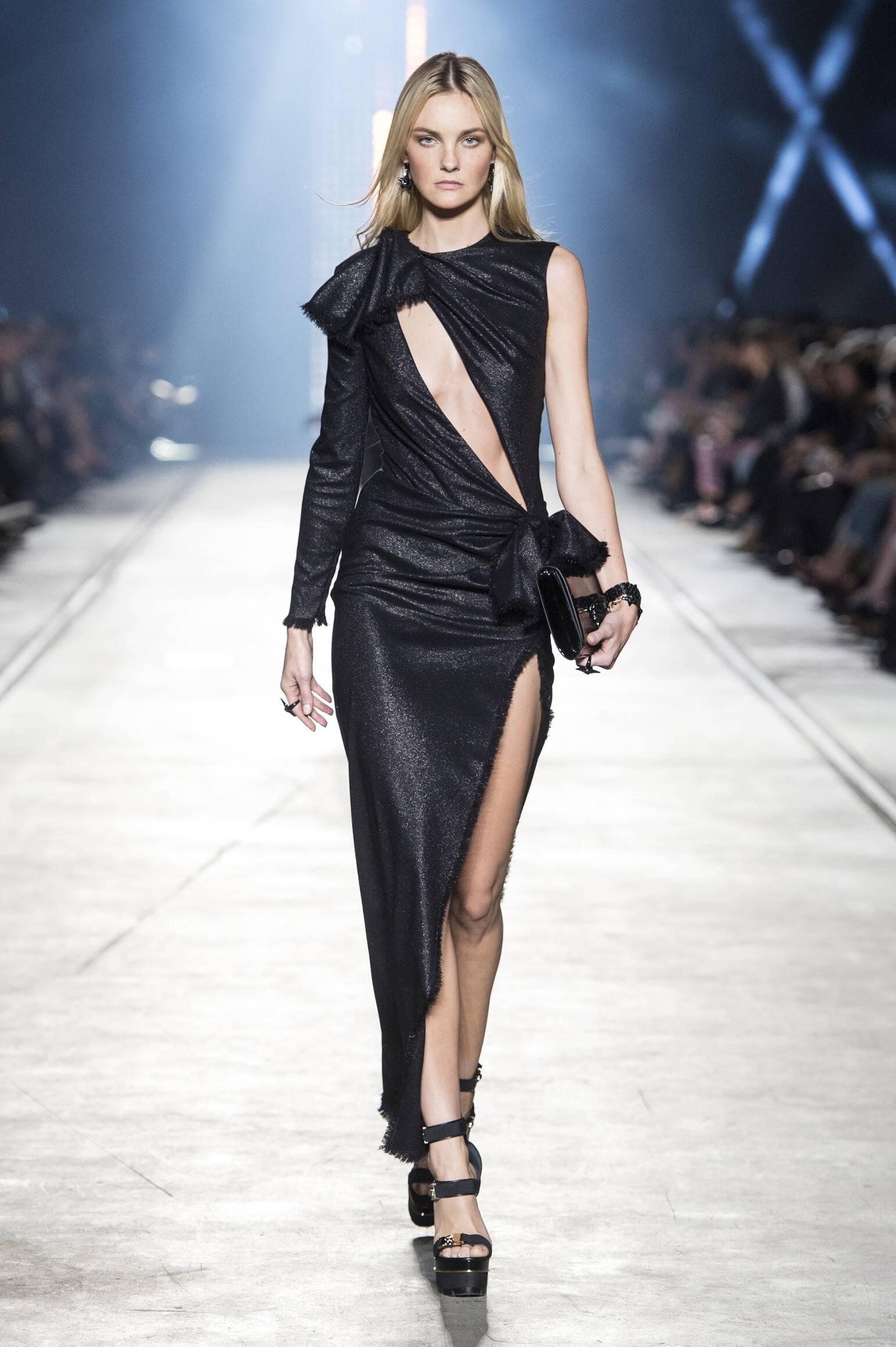 Fashion 2016 Catwalk Versace