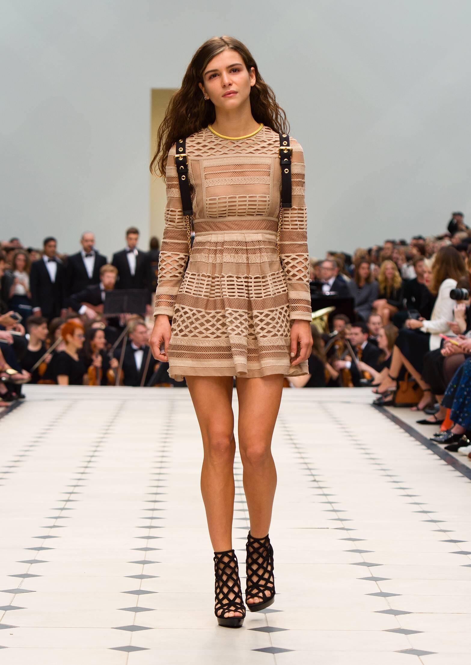 Fashion Woman Model Burberry Prorsum Catwalk