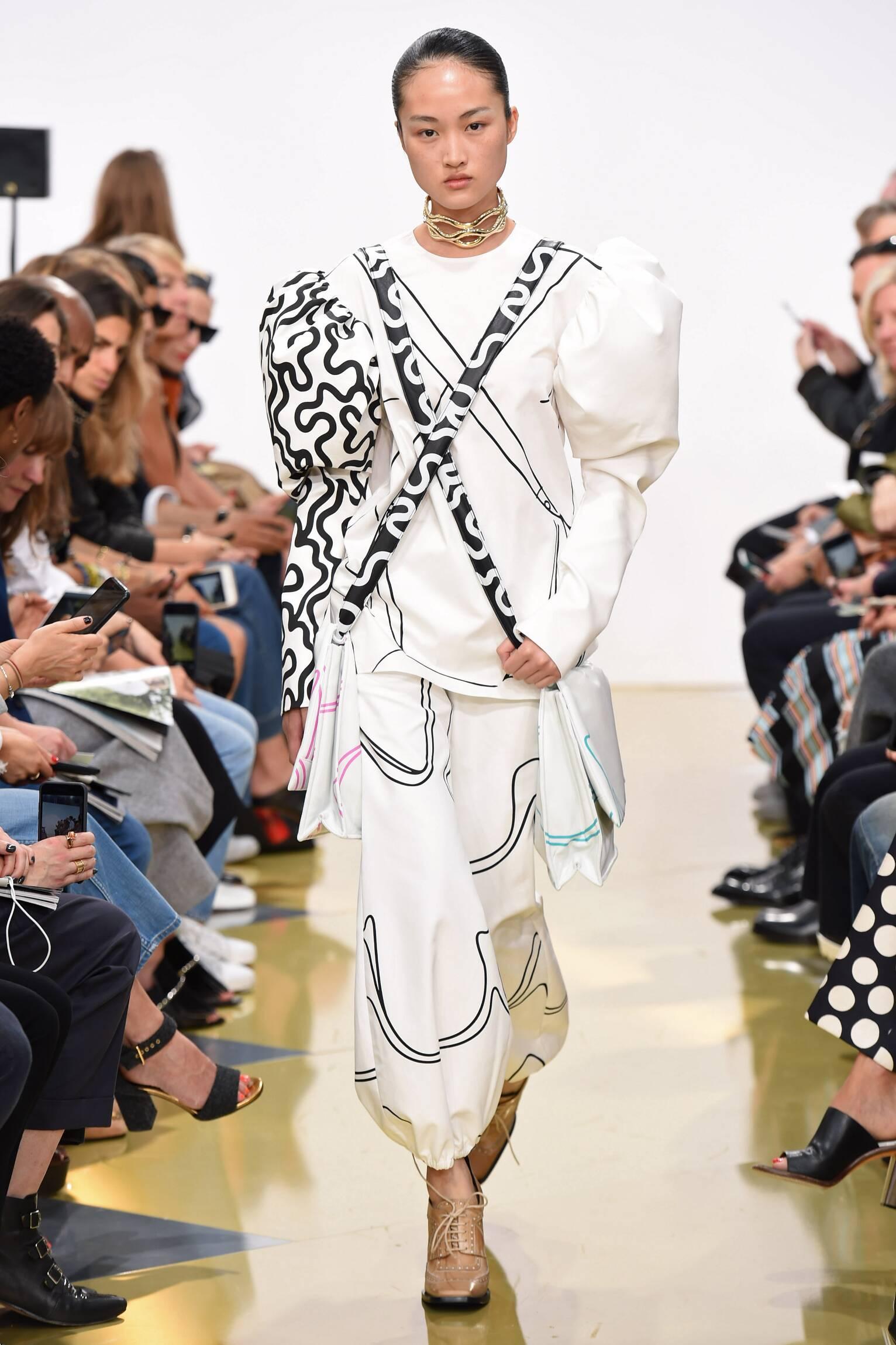Fashion Womenswear J.W. Anderson Collection Catwalk