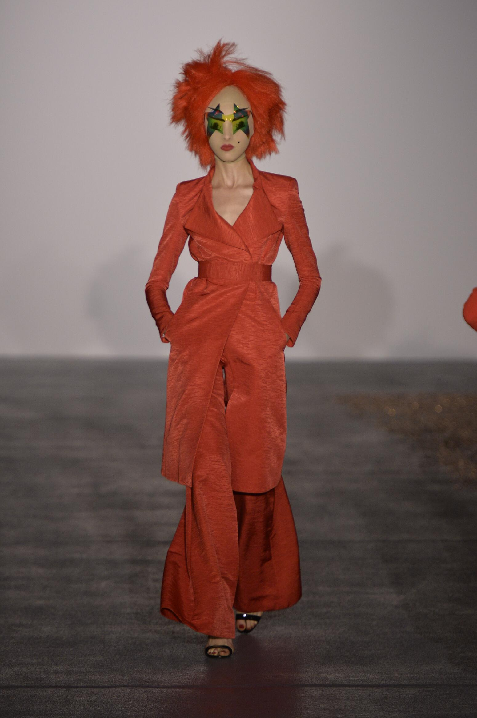 Gareth Pugh Spring Summer 2016 Womenswear Collection London Fashion Week Fashion Show