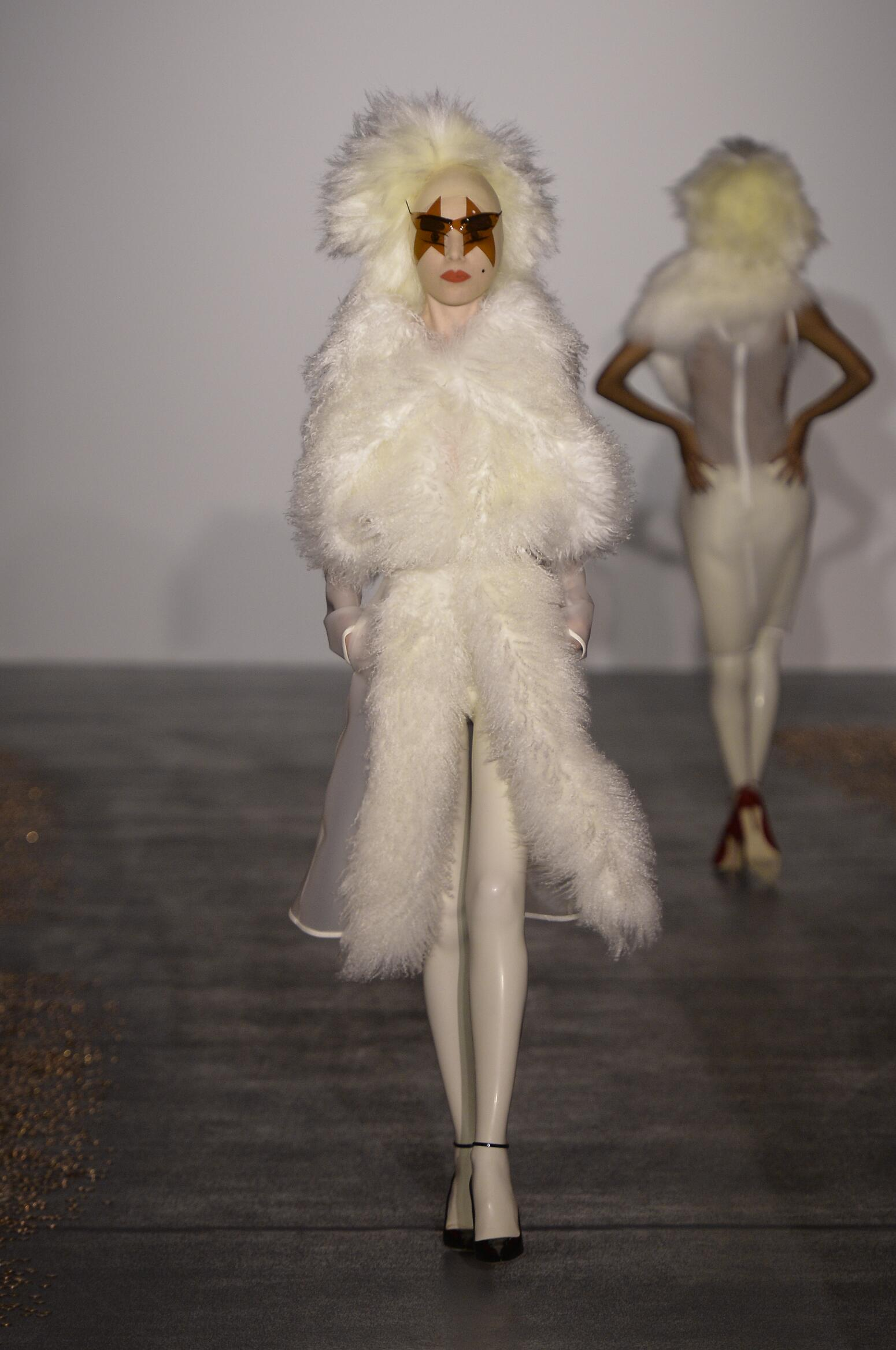 Gareth Pugh Women's Collection 2016